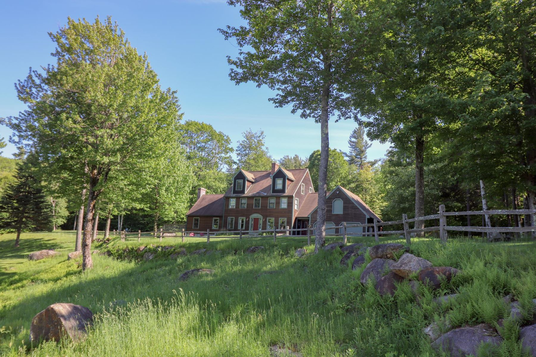Single Family Homes por un Venta en Gentleman's Farm 2 miles to Lake Sunapee 276 Mountain Rd Newbury, Nueva Hampshire 03255 Estados Unidos
