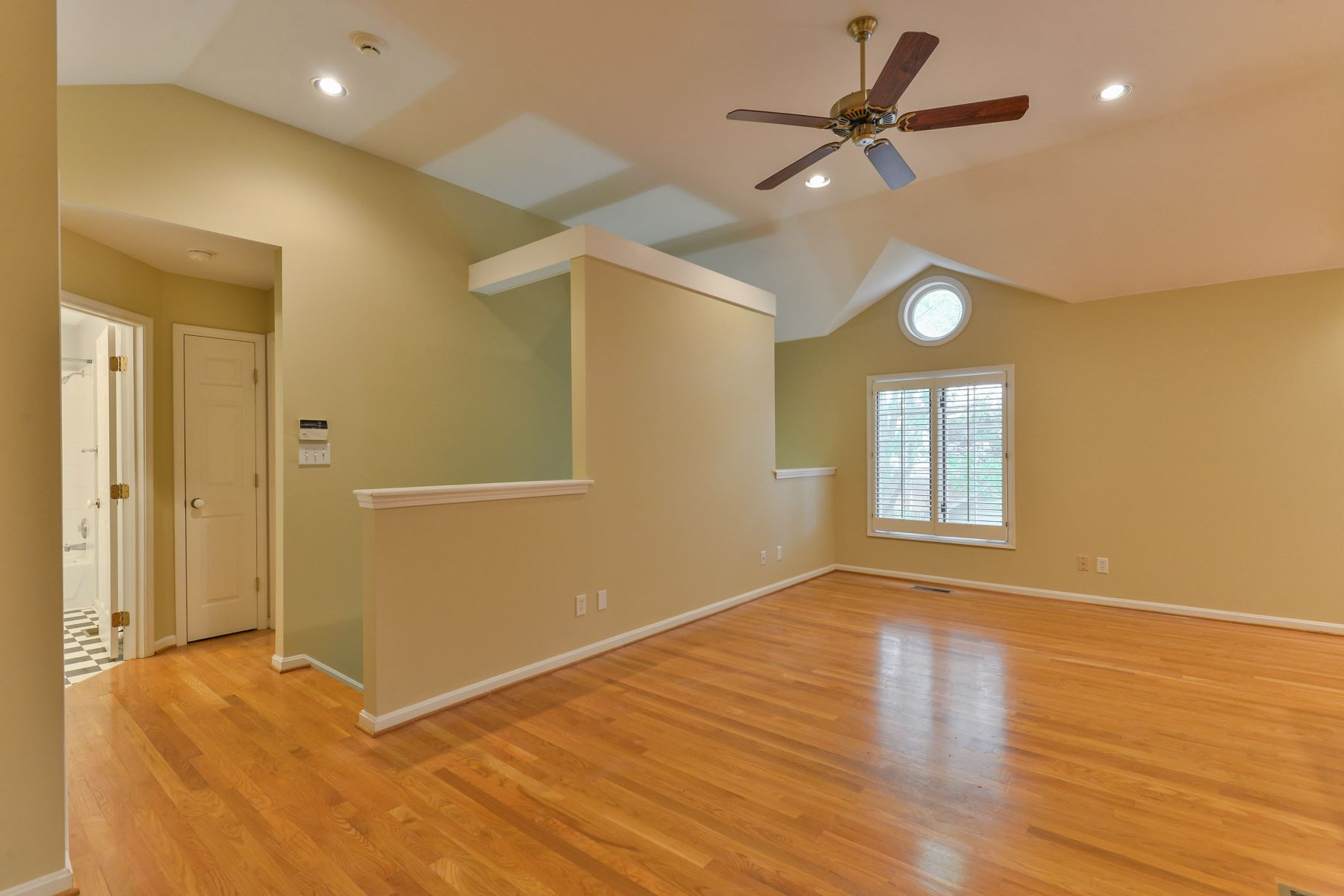 Additional photo for property listing at 1287 Willow Avenue  Louisville, Kentucky 40204 United States