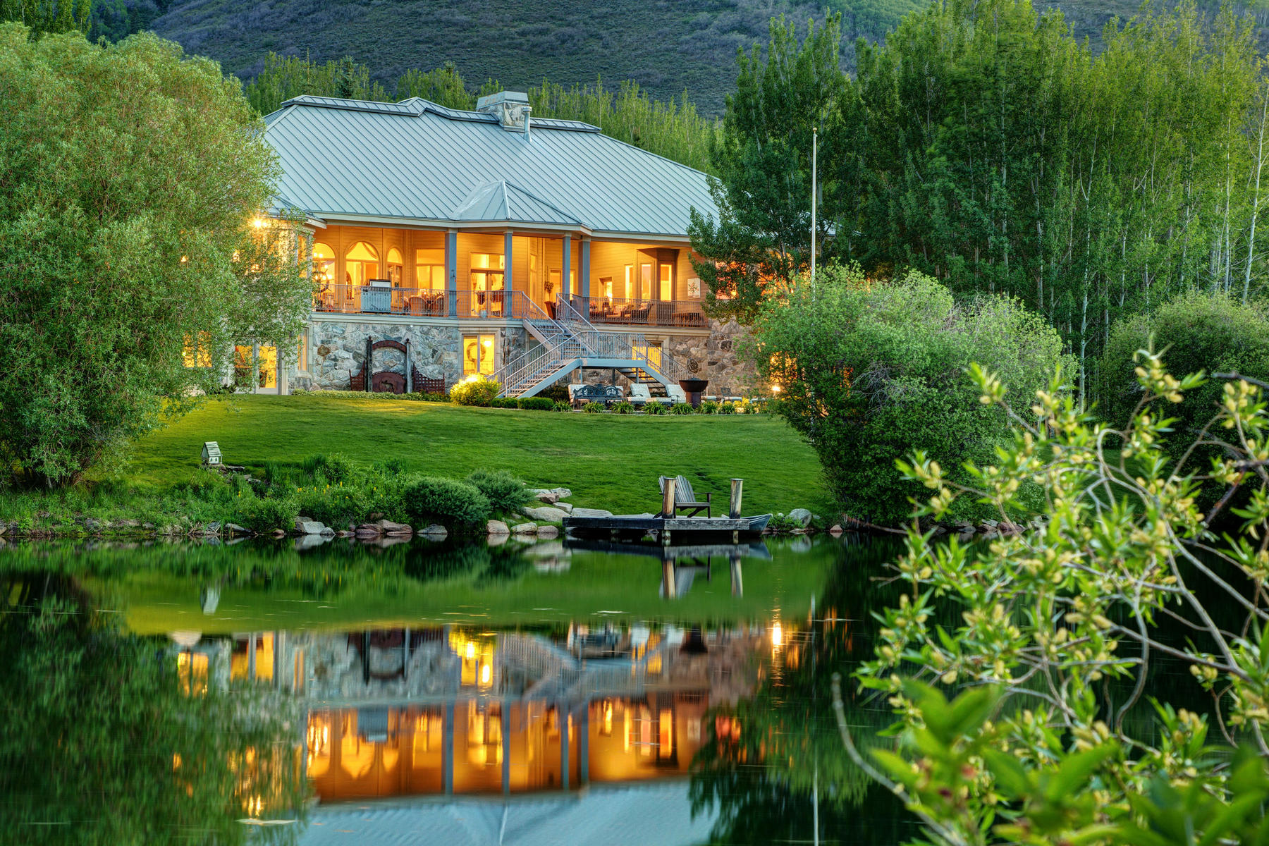 Casa para uma família para Venda às Private Aspen Springs Setting Features Two Streams and Tranquil Pond 2624 Aspen Springs Dr Park City, Utah, 84060 Estados Unidos
