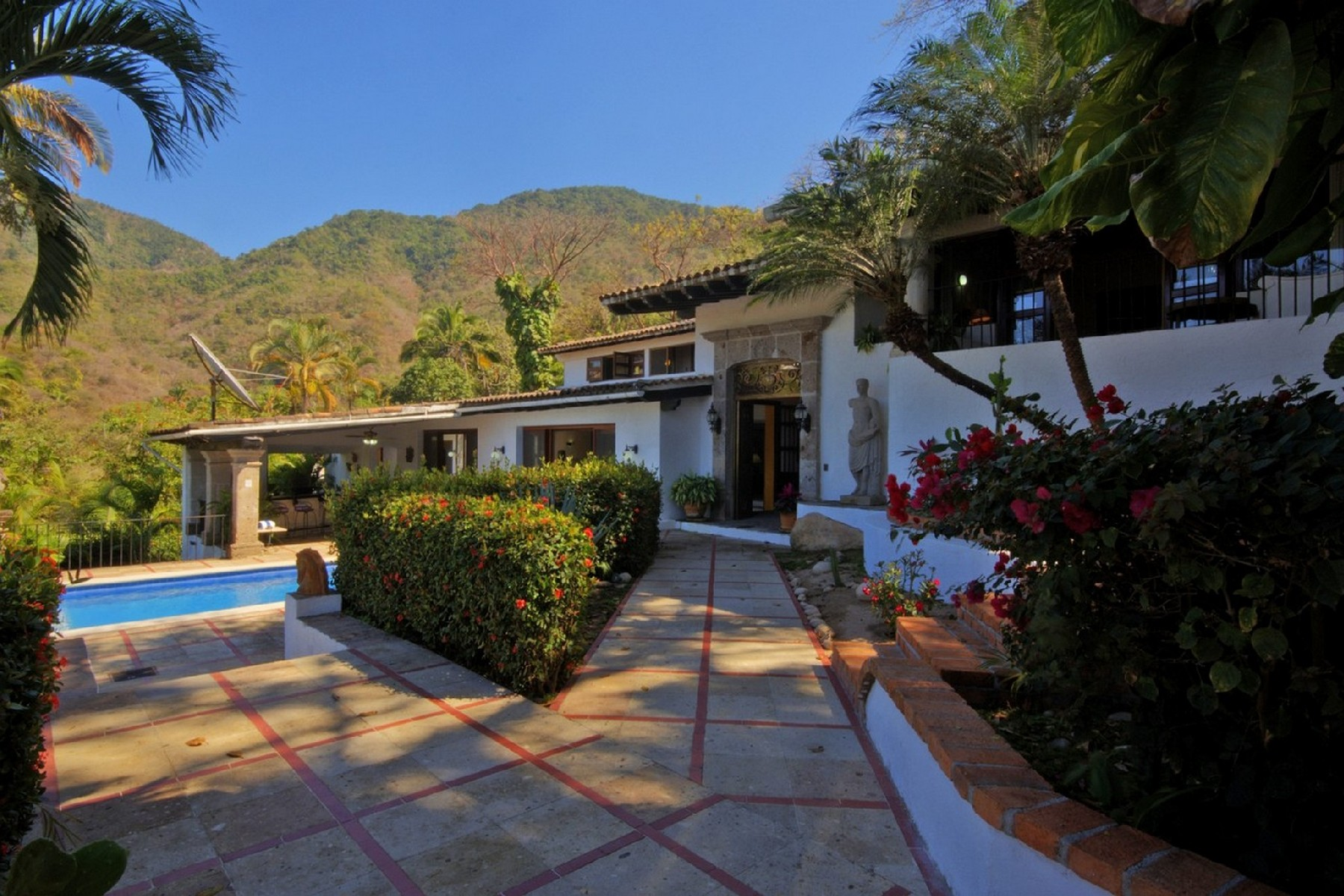 Additional photo for property listing at Hacienda Maria Elena + Adjancent Lot Carretera Barra de Navidad S/N Puerto Vallarta, Jalisco 48390 Mexico
