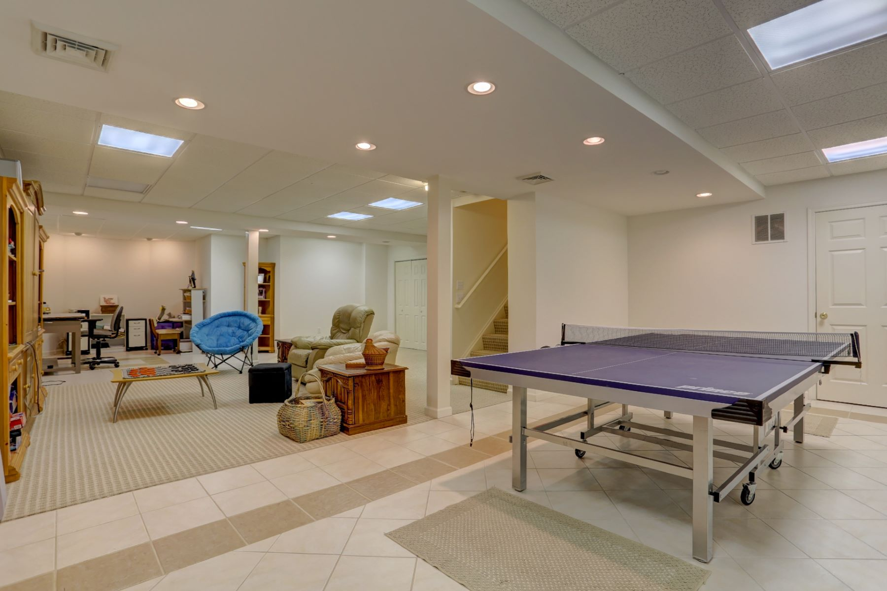 Additional photo for property listing at 821 Woodfield Drive  立提兹市, 宾夕法尼亚州 17543 美国
