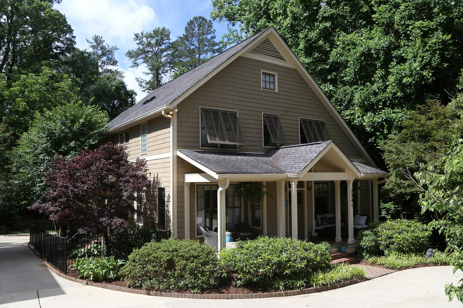 Single Family Home for Sale at Charming Craftsman Style Home In Ideal ITB Location 2341 Lyon Street Raleigh, North Carolina 27608 United StatesIn/Around: Cary, Chapel Hill, Durham