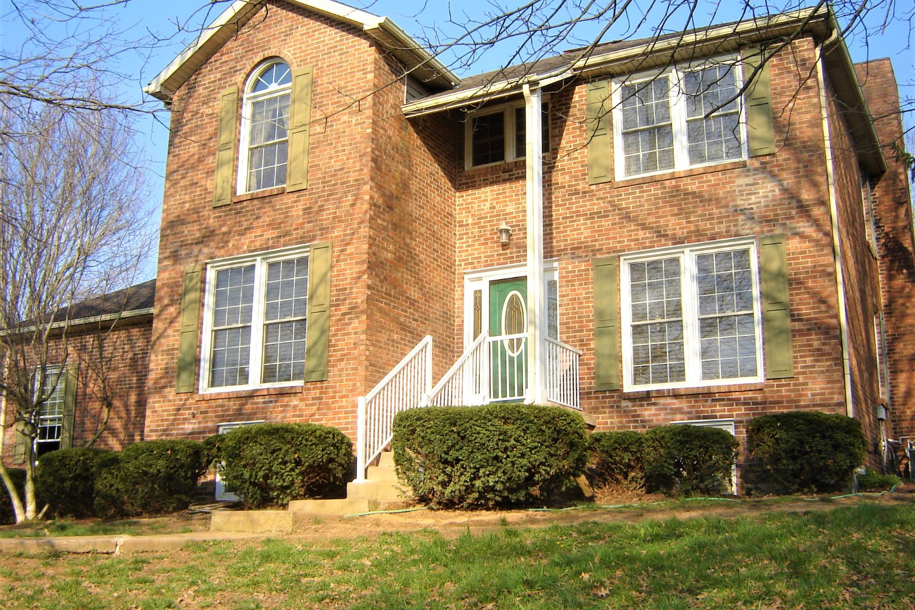 Single Family Home for Sale at 343 College Road 343 College Road Paris, Kentucky 40361 United States
