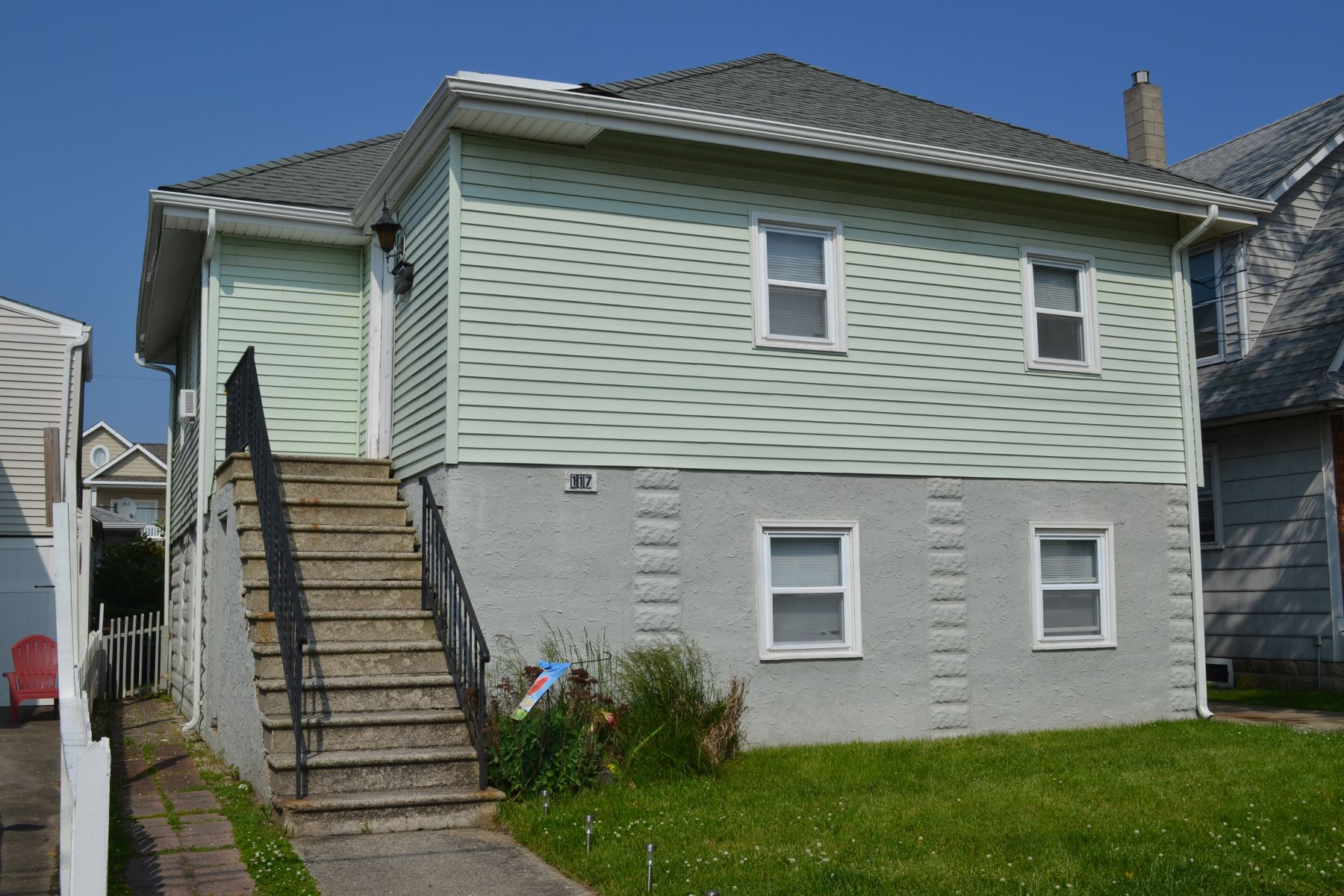 Duplex Homes for Rent at 117 N Newark (Lower) 117 N Newark Ave Lower, Ventnor, New Jersey 08406 United States