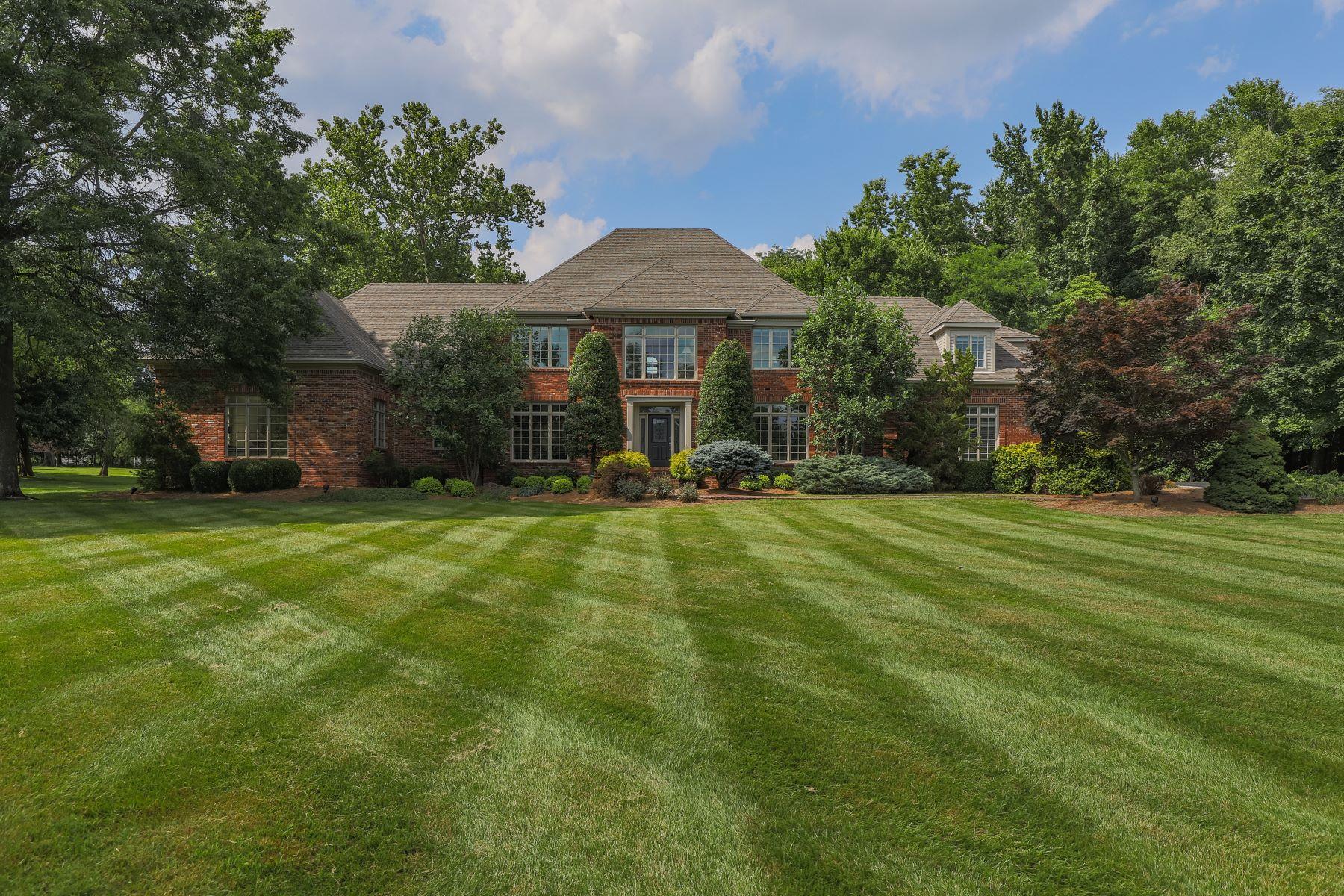 Single Family Homes für Verkauf beim Anchorage, Kentucky 40223 Vereinigte Staaten