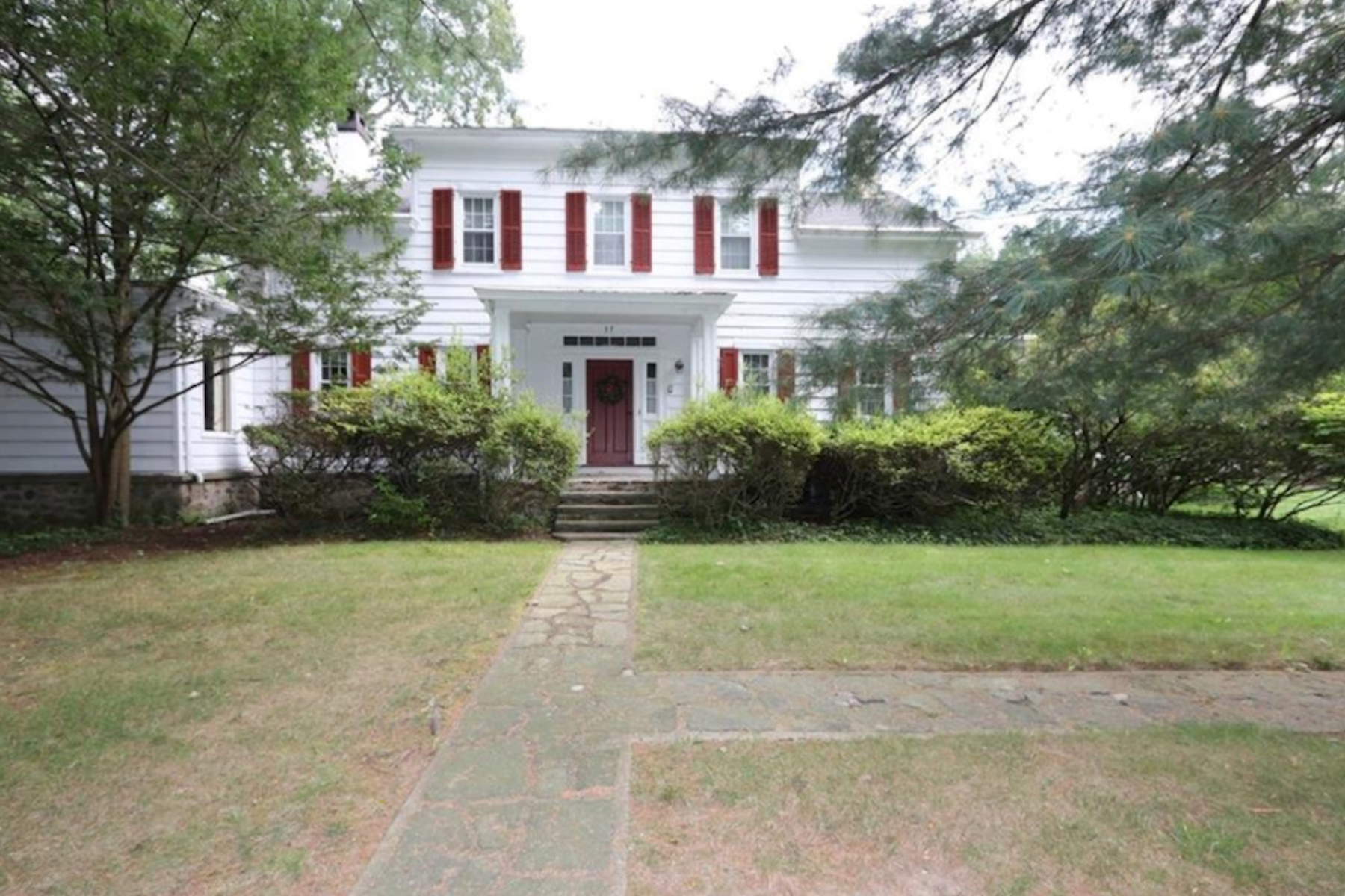 Single Family Homes por un Venta en 37 Montebello Rd Suffern, Nueva York 10901 Estados Unidos