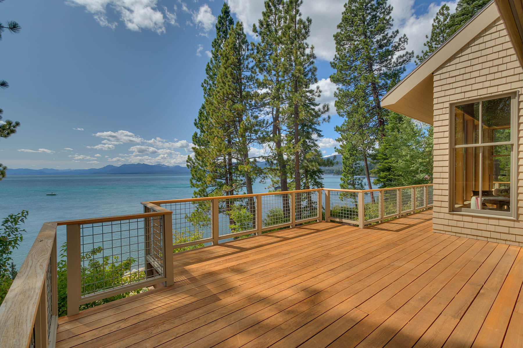 Additional photo for property listing at 2200 North Lake Blvd., Tahoe City, CA 2200 North Lake Blvd. Tahoe City, California 96145 United States