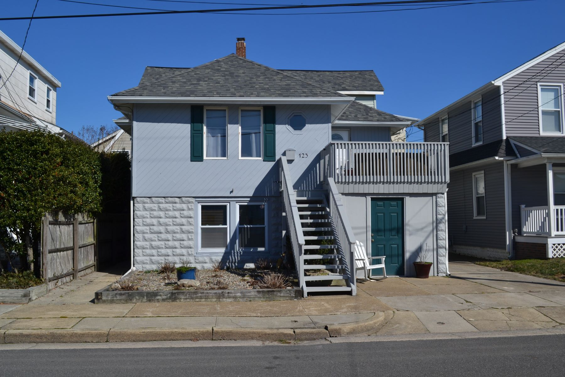 Duplex Homes for Sale at 123 N Newark Ave Ventnor, New Jersey 08406 United States