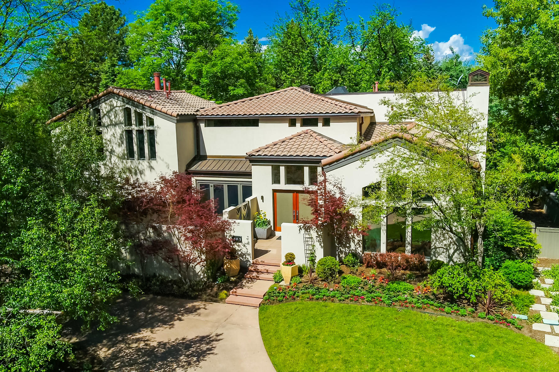 Single Family Homes για την Πώληση στο Spectacular half acre setting in the heart of Country Club Historic neighborhood 461 Race Street, Denver, Κολοραντο 80206 Ηνωμένες Πολιτείες