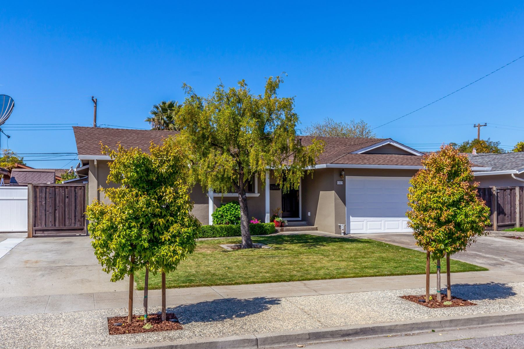 Single Family Homes for Sale at Fabulous Cambrian Home! 5069 Corbin Avenue San Jose, California 95118 United States