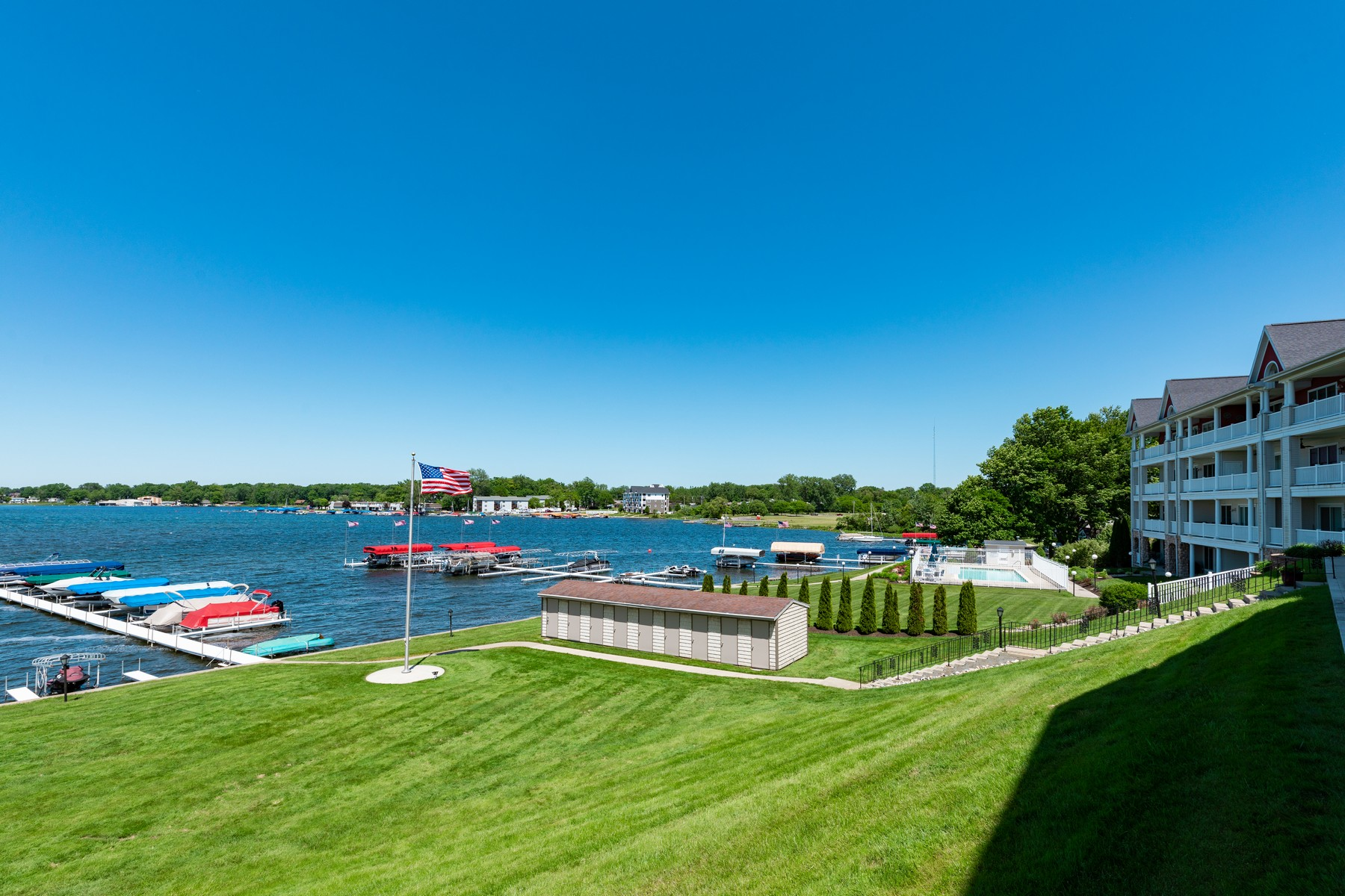 condominiums for Active at Waterfront Condo 8960 E. Hatchery Road Syracuse, Indiana 46567 United States