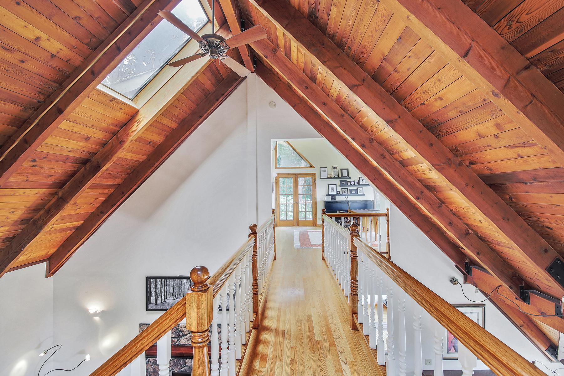 Additional photo for property listing at 1300 Alamo 1300 Alamo St. Montara, California 94037 United States