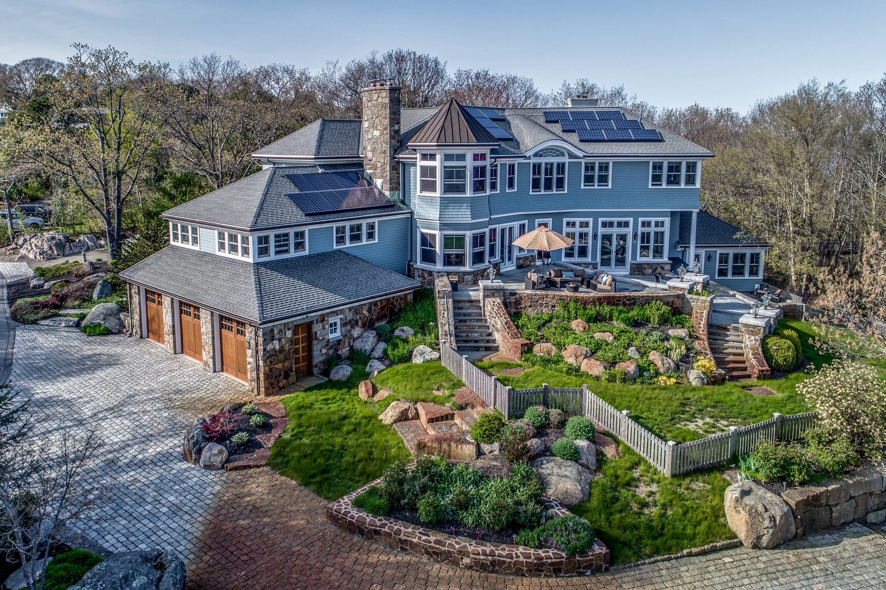 Casa Unifamiliar por un Venta en Sweeping Ocean Views 25 Penryn Way Rockport, Massachusetts 01966 Estados Unidos