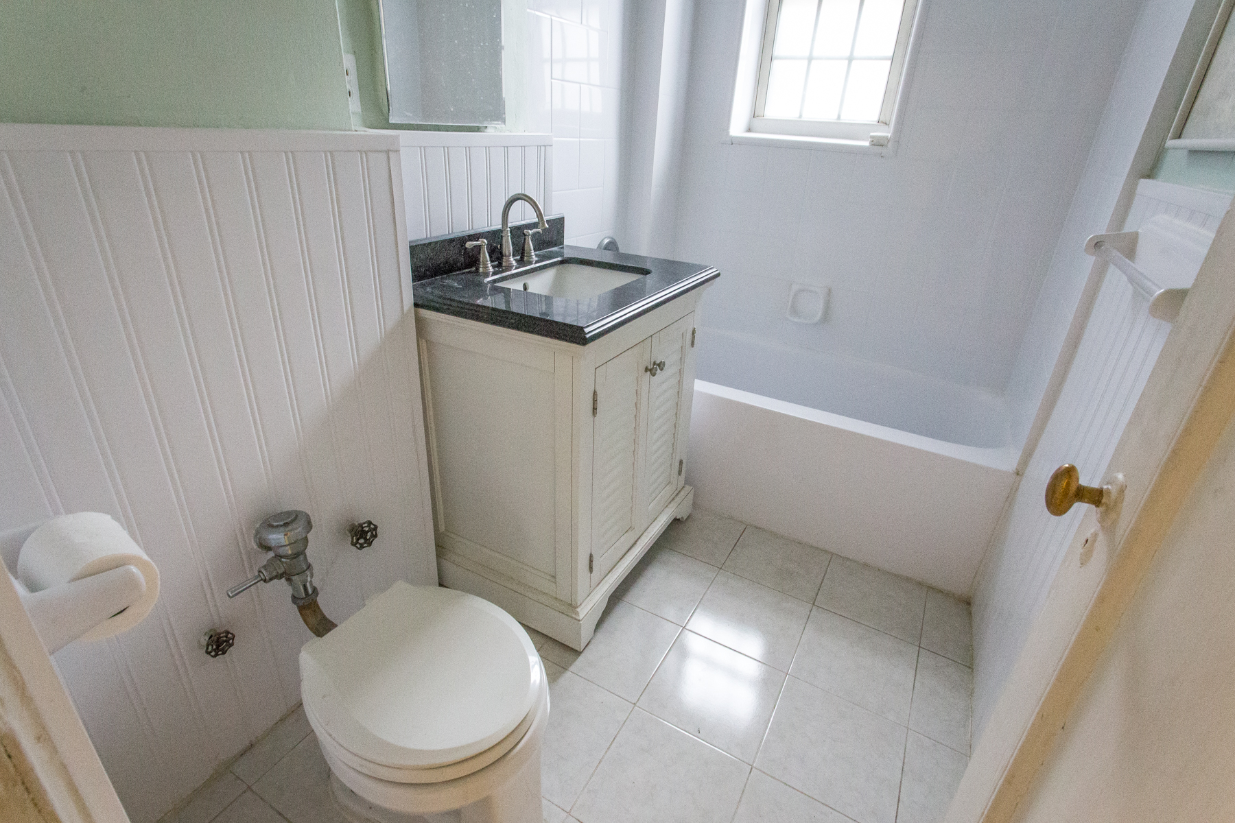 "Additional photo for property listing at ""ONE BEDROOM IN GREAT LOCATION"" 4 Dartmouth Street, #510, Forest Hills Gardens, Forest Hills, Nueva York 11375 Estados Unidos"