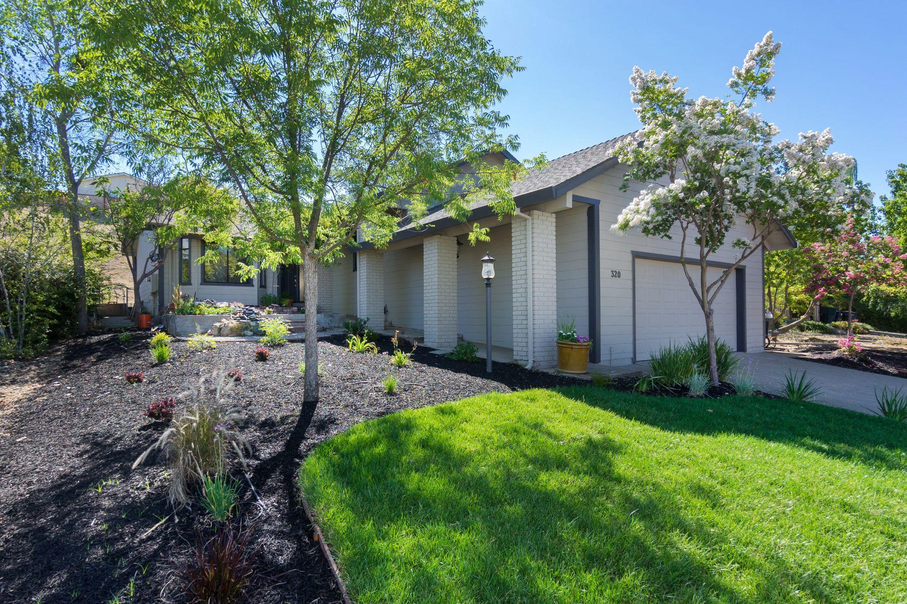 Einfamilienhaus für Verkauf beim Newly Renovated 1800 sq ft Masterpiece 320 Gold Strike Court Sutter Creek, Kalifornien 95685 Vereinigte Staaten