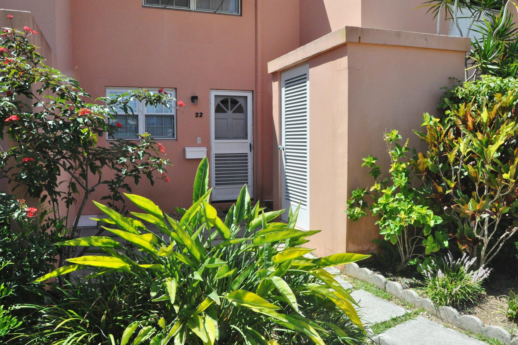 Maison en rangée pour l Vente à Paget Townhouse Unit 22 2 Town House Drive, Paget, PG04 Bermuda