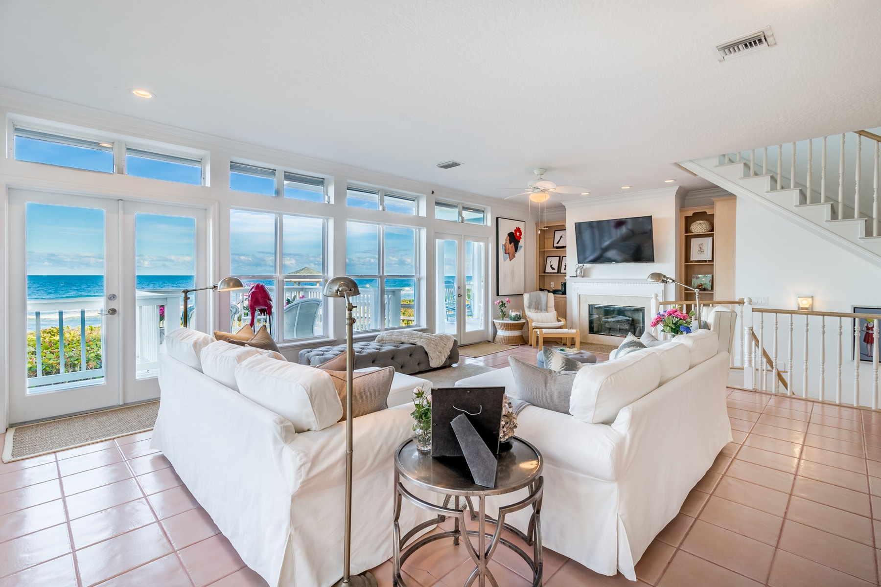 Additional photo for property listing at Beautiful Oceanfront Duplex 8333 S Highway A1A 墨尔本海滩, 佛罗里达州 32951 美国