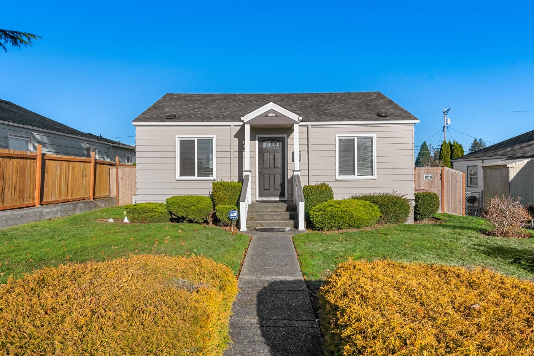 Single Family Home for Active at 821 62nd St, Tacoma 821 E 62nd St Tacoma, Washington 98404 United States