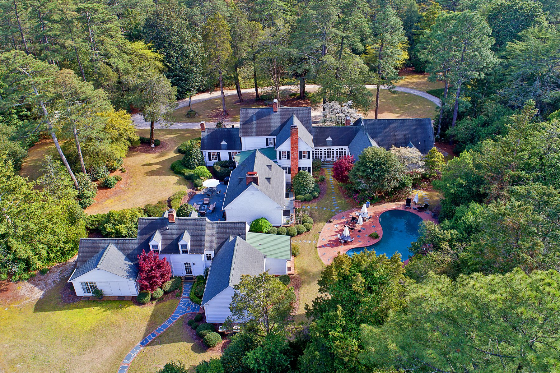 Single Family Homes for Active at Private Estate of the Forest Creek Golf Club founder 4072 Airport Road Pinehurst, North Carolina 28374 United States