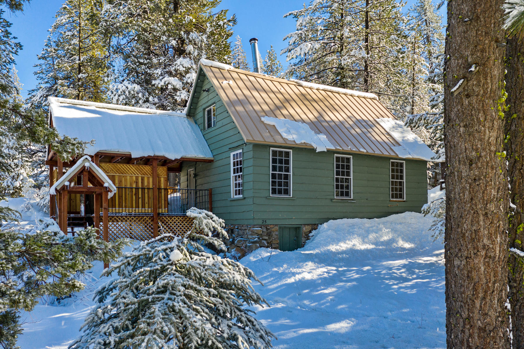 Single Family Home for Active at 25 S Yuba Drive, Soda Springs, CA 25 S Yuba Drive Soda Springs, California 95715 United States
