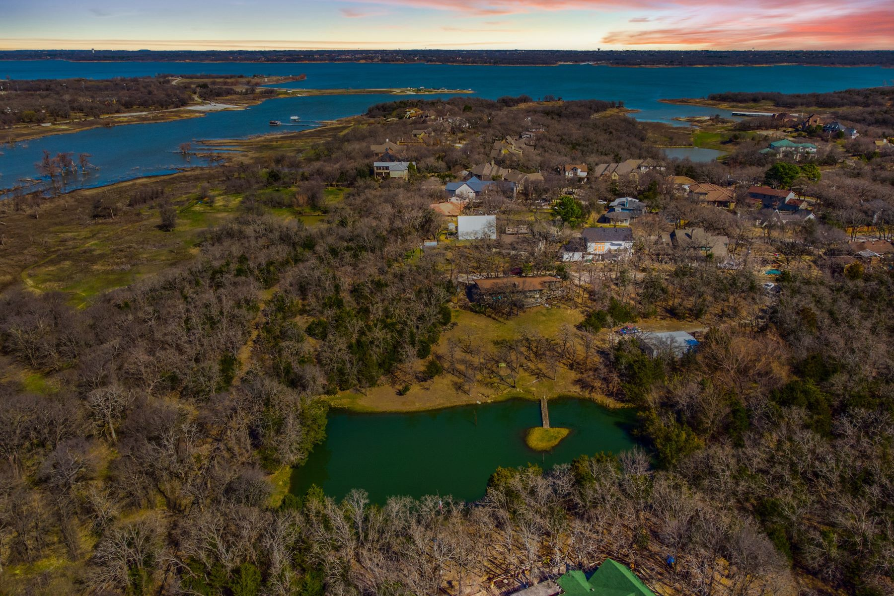Single Family Homes для того Продажа на Rare Opportunity to Build your Dream Estate 3312 Red Bird Lane, Grapevine, Техас 76051 Соединенные Штаты