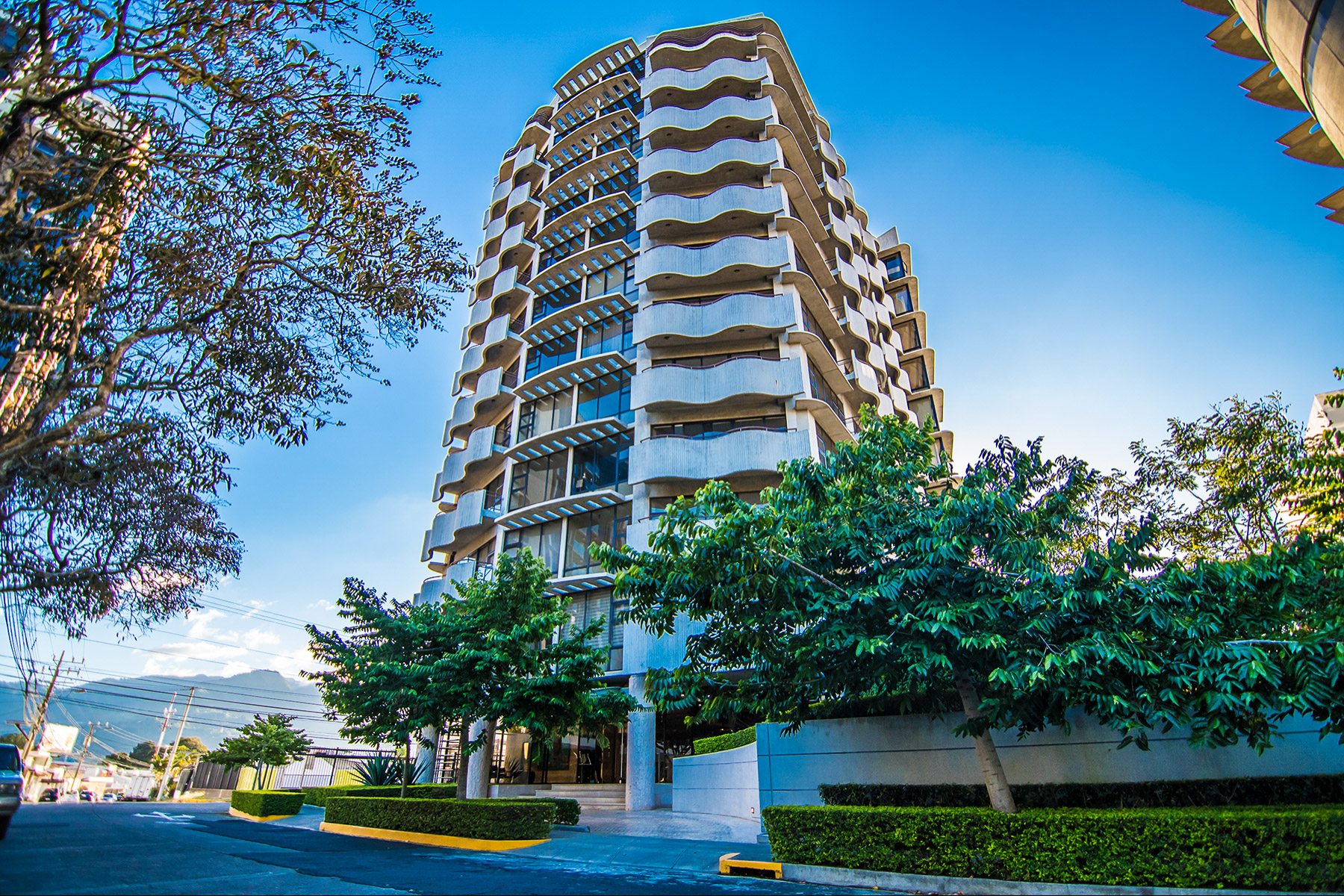 Apartments for Sale at Full Service Condo in Downtown Sabana Rohrmoser, San Jose Costa Rica