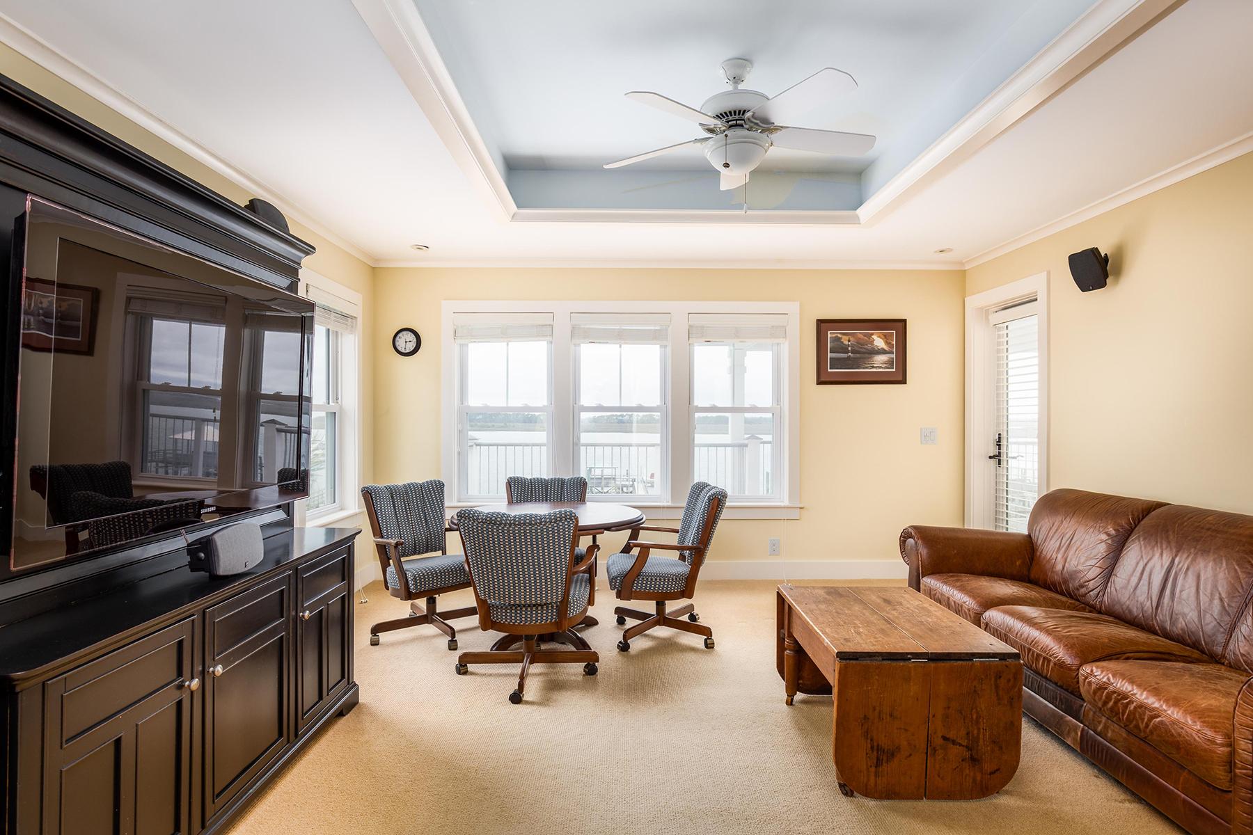 Additional photo for property listing at  Folly Beach, Carolina del Sur 29439 Estados Unidos