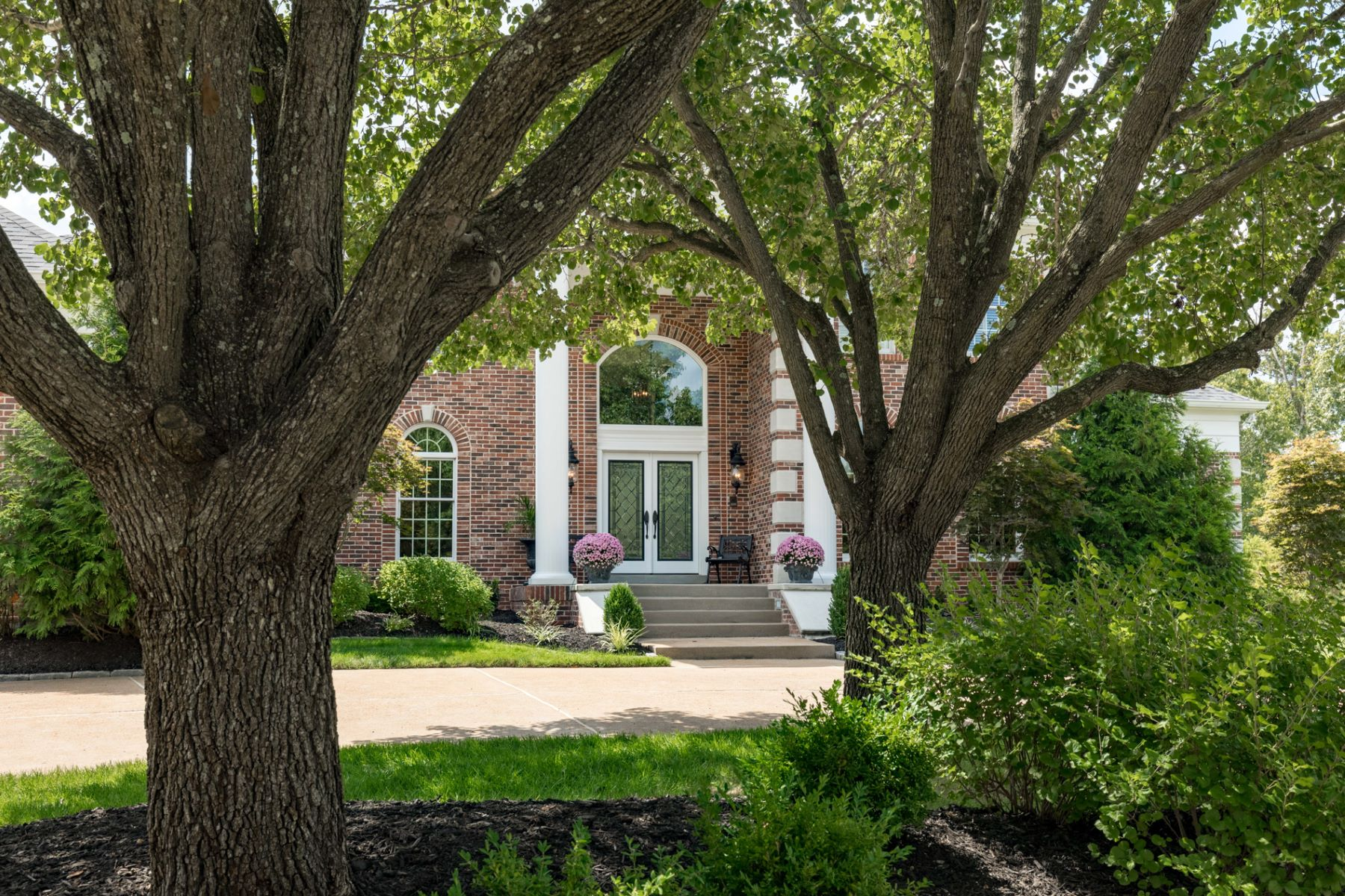 Single Family Home for Sale at Bellerive Springs Dr 12808 Bellerive Springs Dr Creve Coeur, Missouri 63141 United States