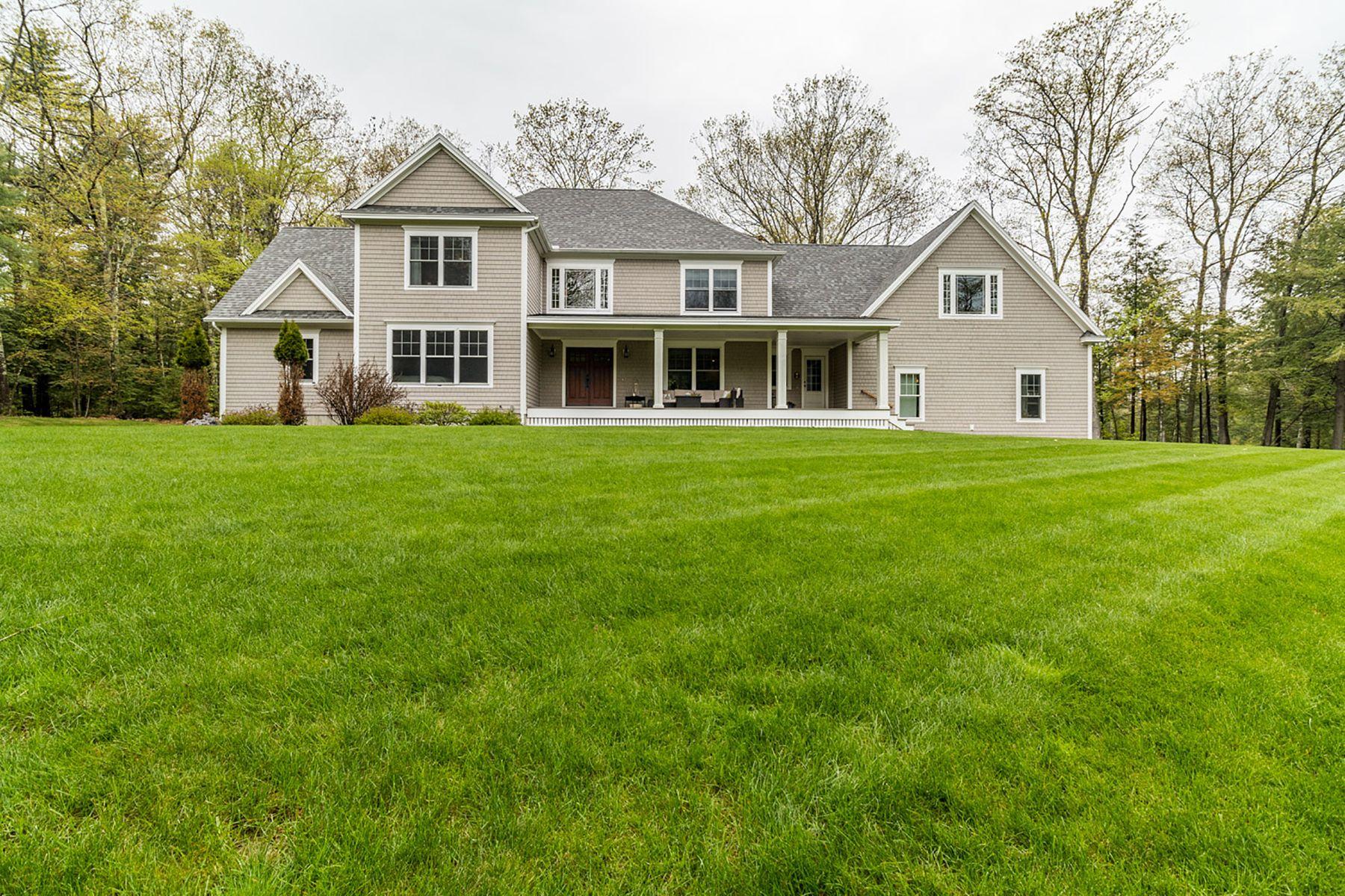 Single Family Homes للـ Sale في 21 Pinehurst Lane (To Be Built) 21 Pinehurst Lane - Land, Falmouth, Maine 04105 United States