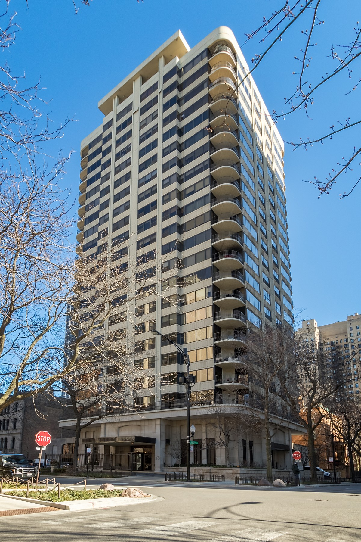 Condominium for Sale at Gold Coast Living! 1501 N State Parkway Unit 16C Near North Side, Chicago, Illinois, 60610 United States