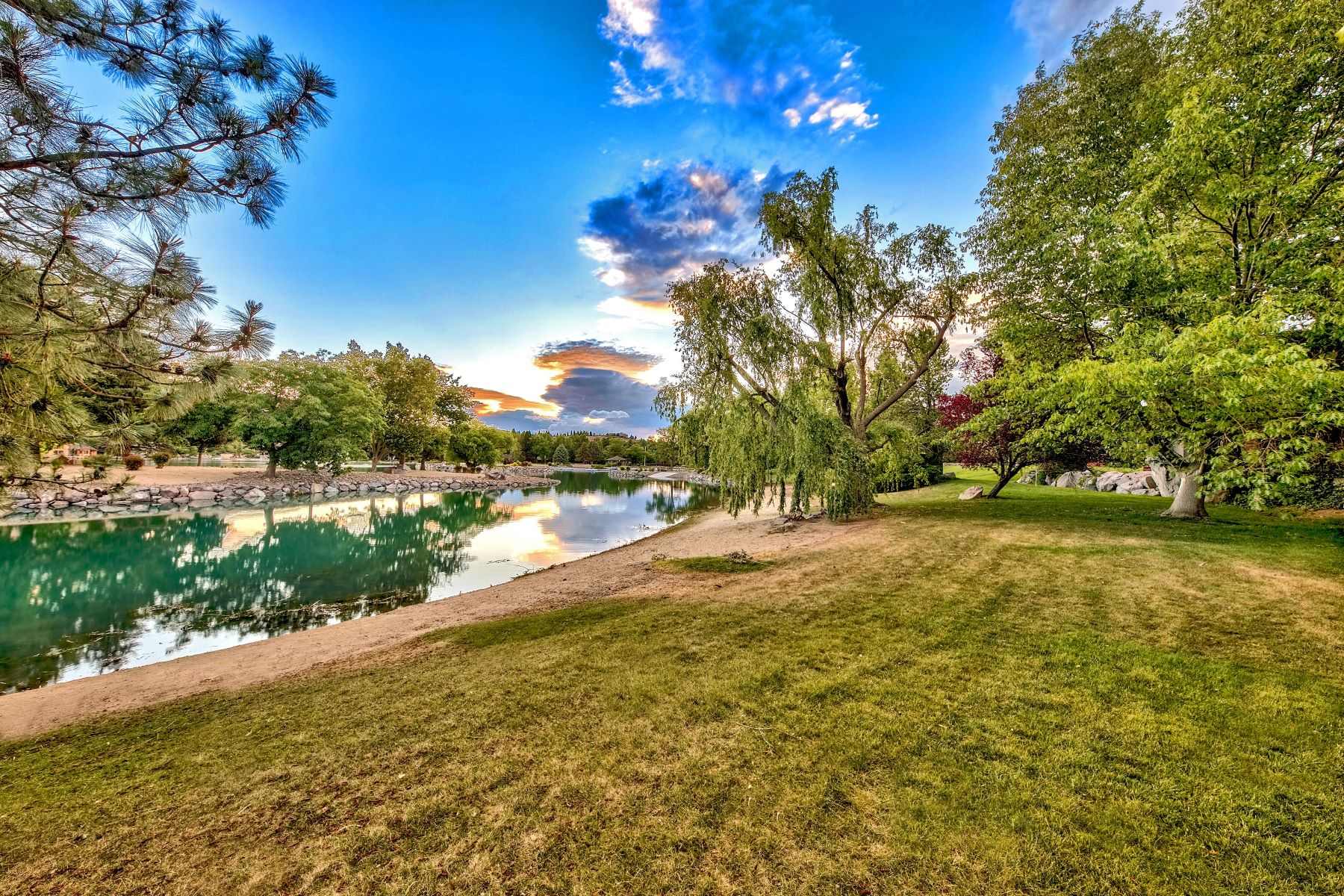 Additional photo for property listing at Lake Stanley Contemporary Home 2555 Spinnaker Reno, Nevada 89519 United States
