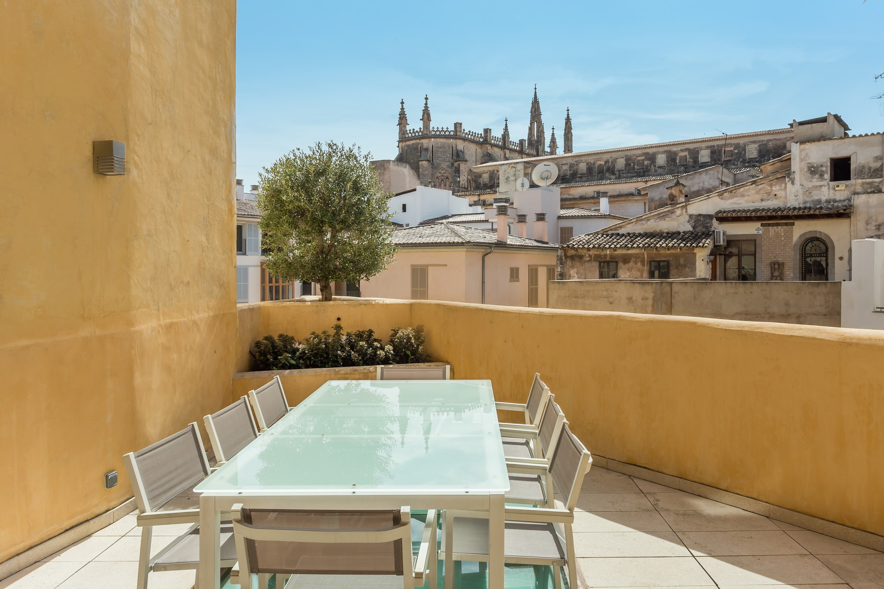 Single Family Home for Sale at Historic house with pool in the Old Town Palma, Mallorca, 07001 Spain