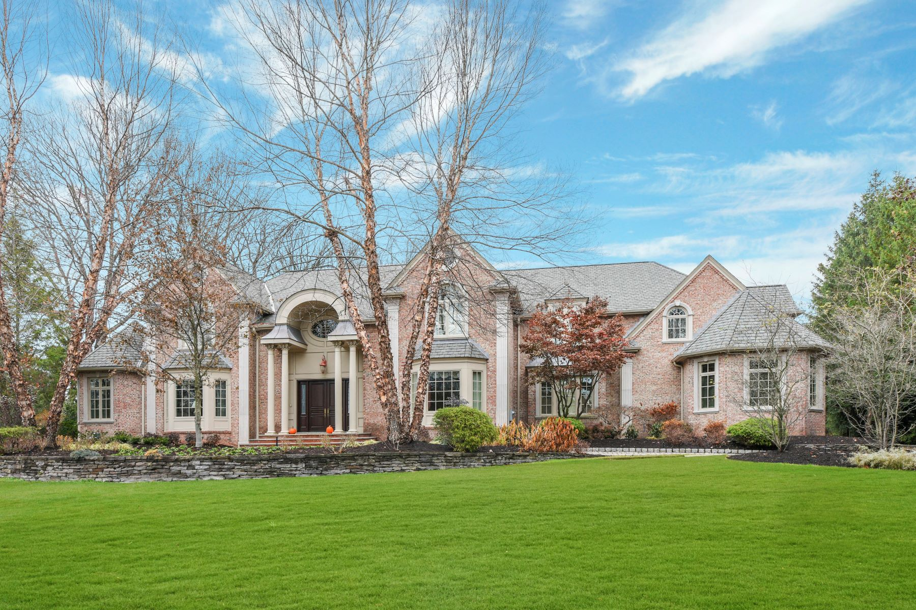 Single Family Homes for Sale at Old Tappan at its Best 32 O'Connors Lane, Old Tappan, New Jersey 07675 United States