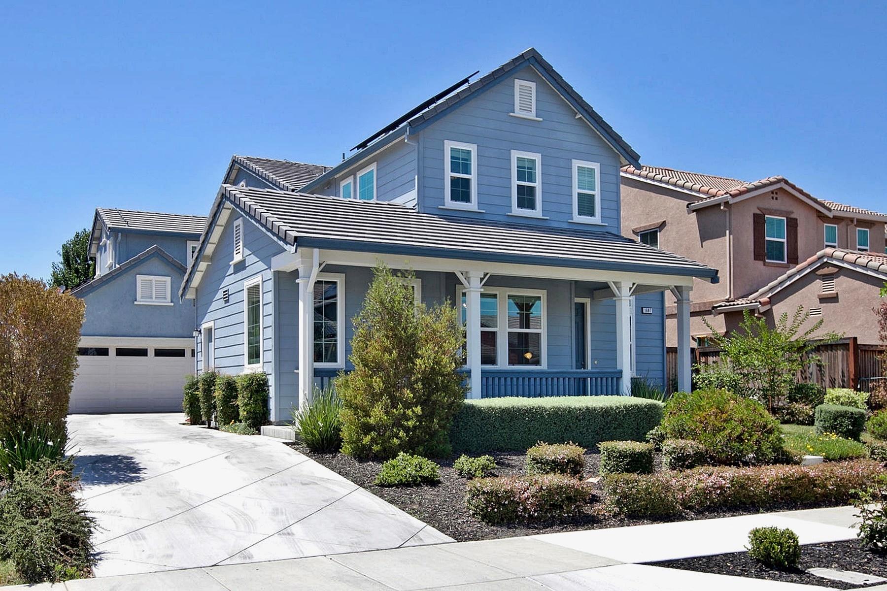 Maison unifamiliale pour l Vente à Spacious Brentwood Home 1687 Oakville Court Brentwood, Californie 94513 États-Unis