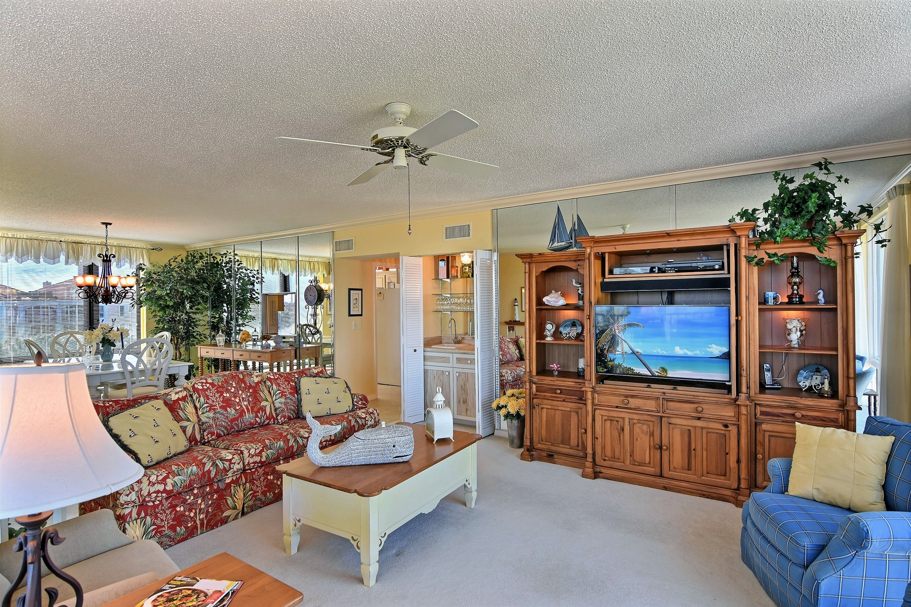 Additional photo for property listing at Condo With Beautiful Ocean Views 5810 Highway A1A #4B Indian River Shores, Florida 32963 United States