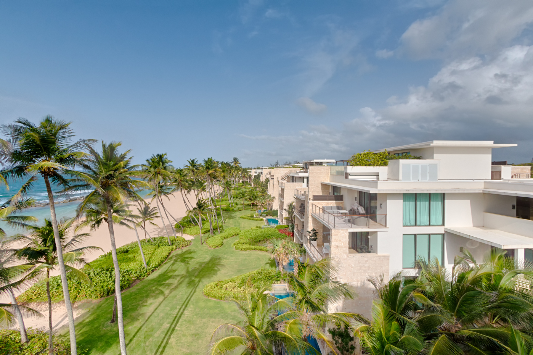 Additional photo for property listing at Branded Beachfront Penthouse 3641 200 Dorado Beach Drive Ritz Carlton Reserve Dorado Beach, Puerto Rico 00646 Puerto Rico