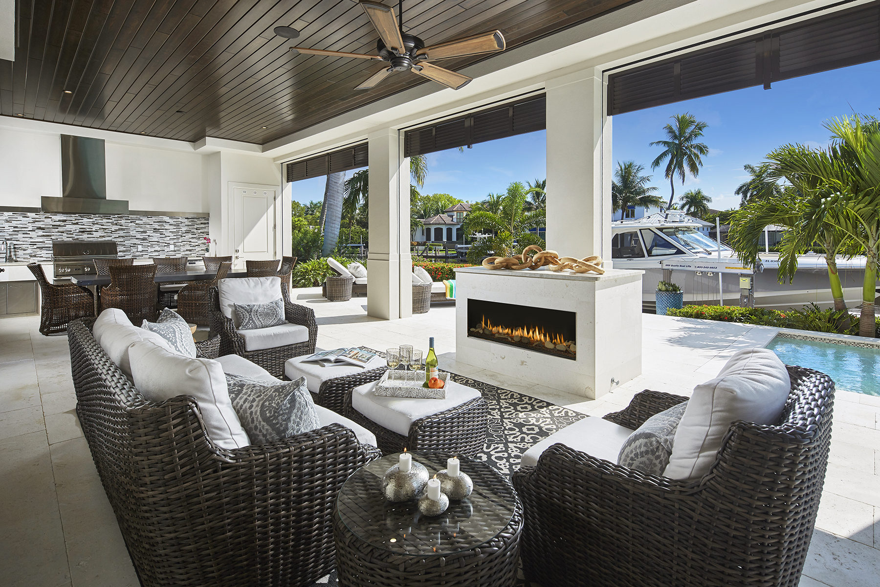 Single Family Homes 용 매매 에 AQUALANE SHORES 1877 6th Street S, 나폴리, 플로리다 34102 미국