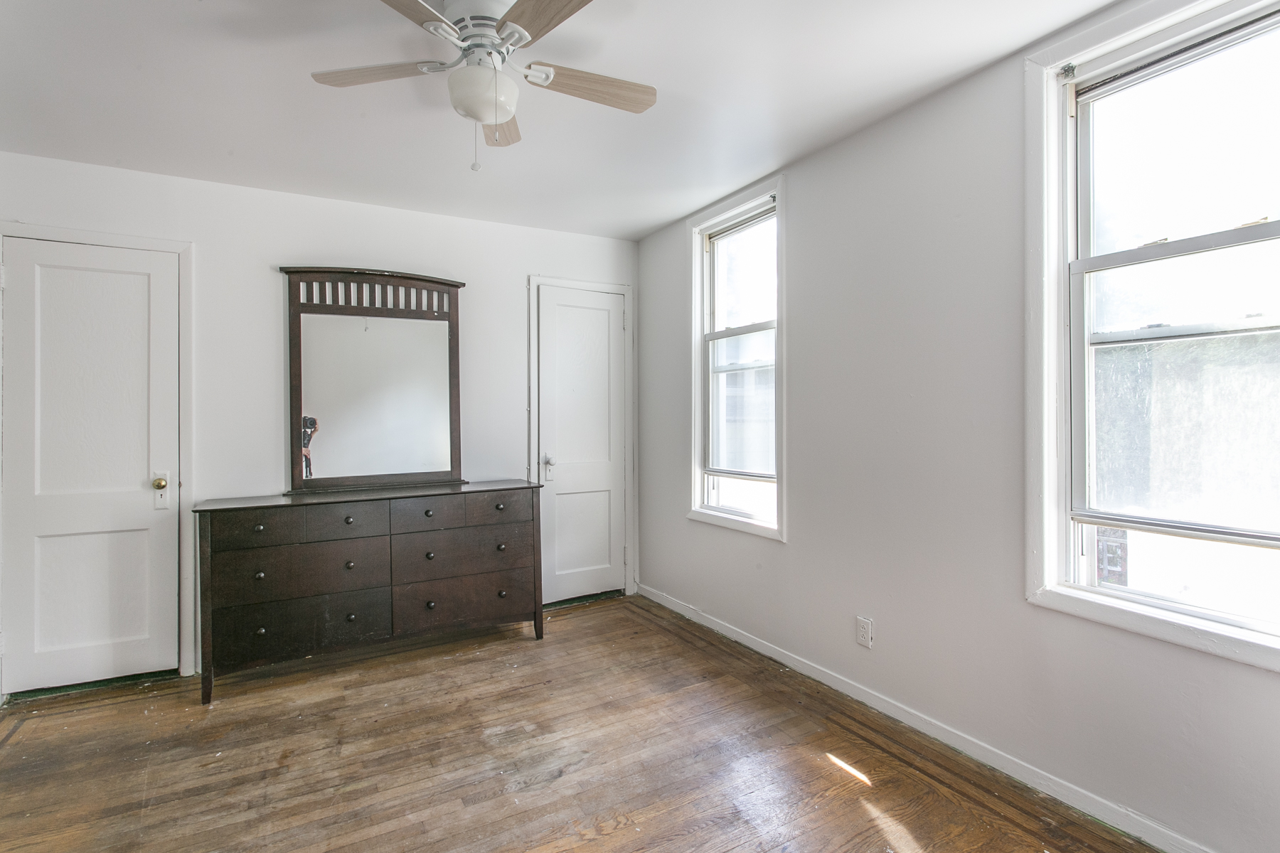 "Additional photo for property listing at ""JUNIOR 4 APARTMENT IN 2 FAMILY HOME"" 70-66 Walnut Street, 2nd FL, Forest Hills, New York 11375 United States"