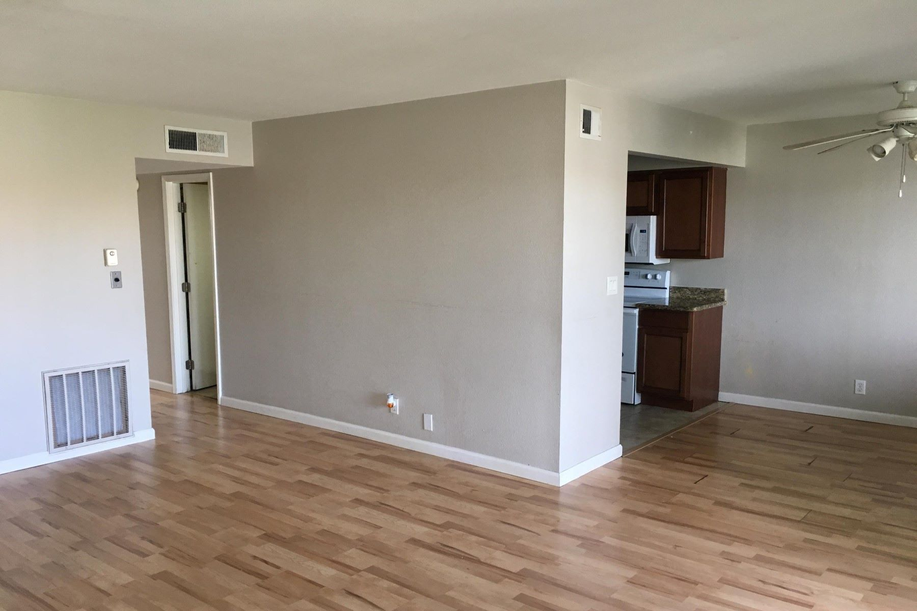 Apartment for Rent at Great condo in park-like oasis 1702 W TUCKEY LN 212 Phoenix, Arizona 85015 United States