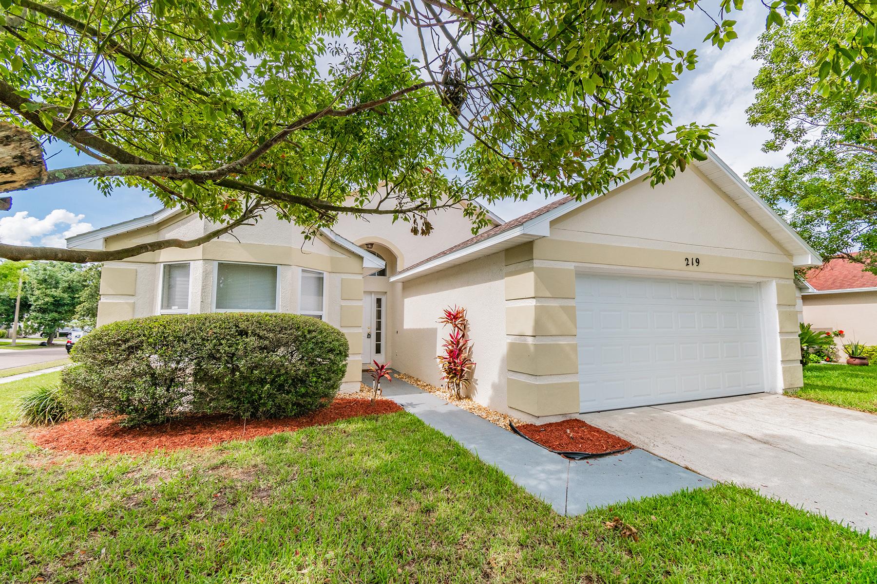 独户住宅 为 销售 在 ORLANDO - APOPKA 219 Morning Creek Cir 阿波普卡, 佛罗里达州 32712 美国
