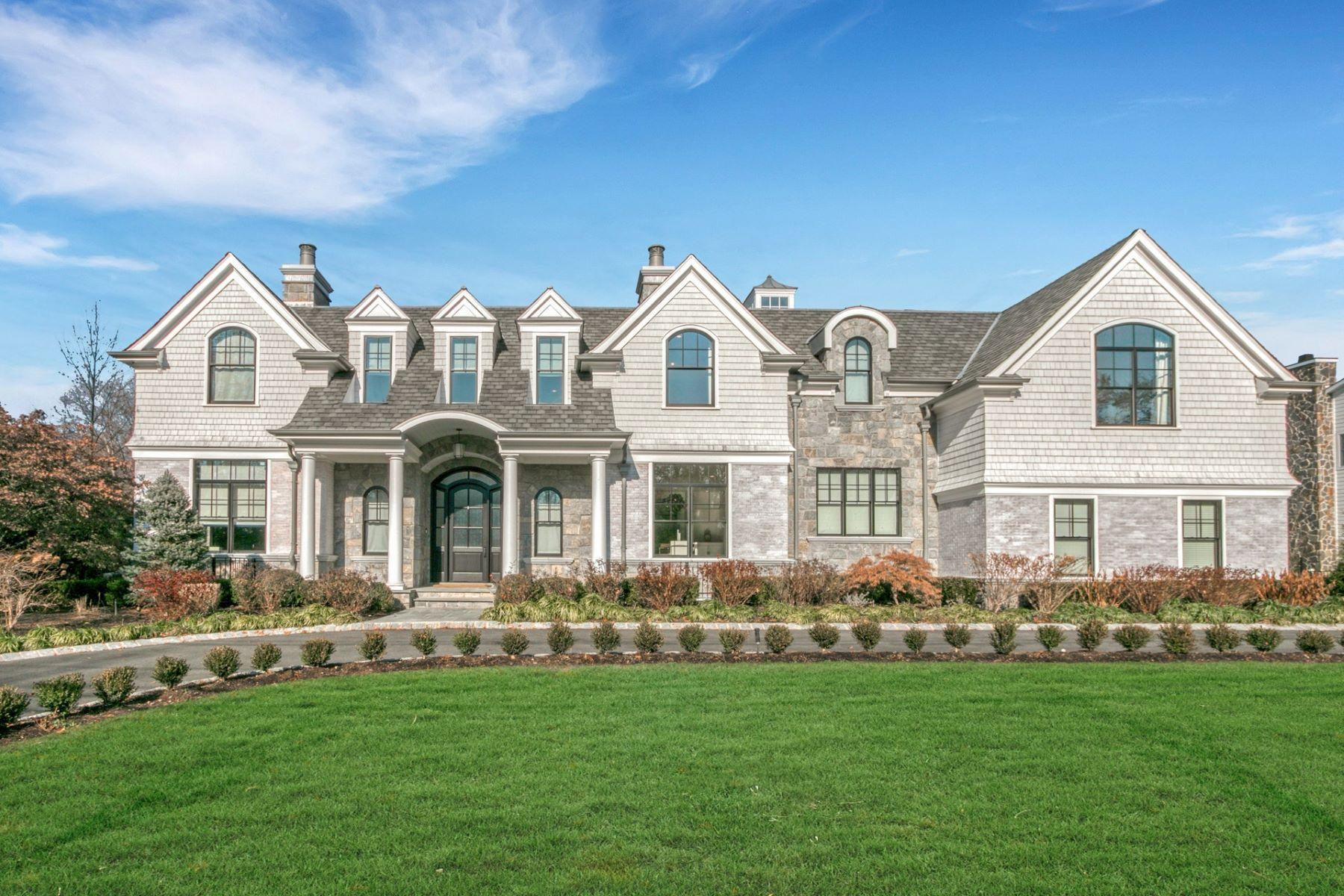 Single Family Homes pour l Vente à Hamptons Style Estate 213 Buckingham Road, Tenafly, New Jersey 07670 États-Unis