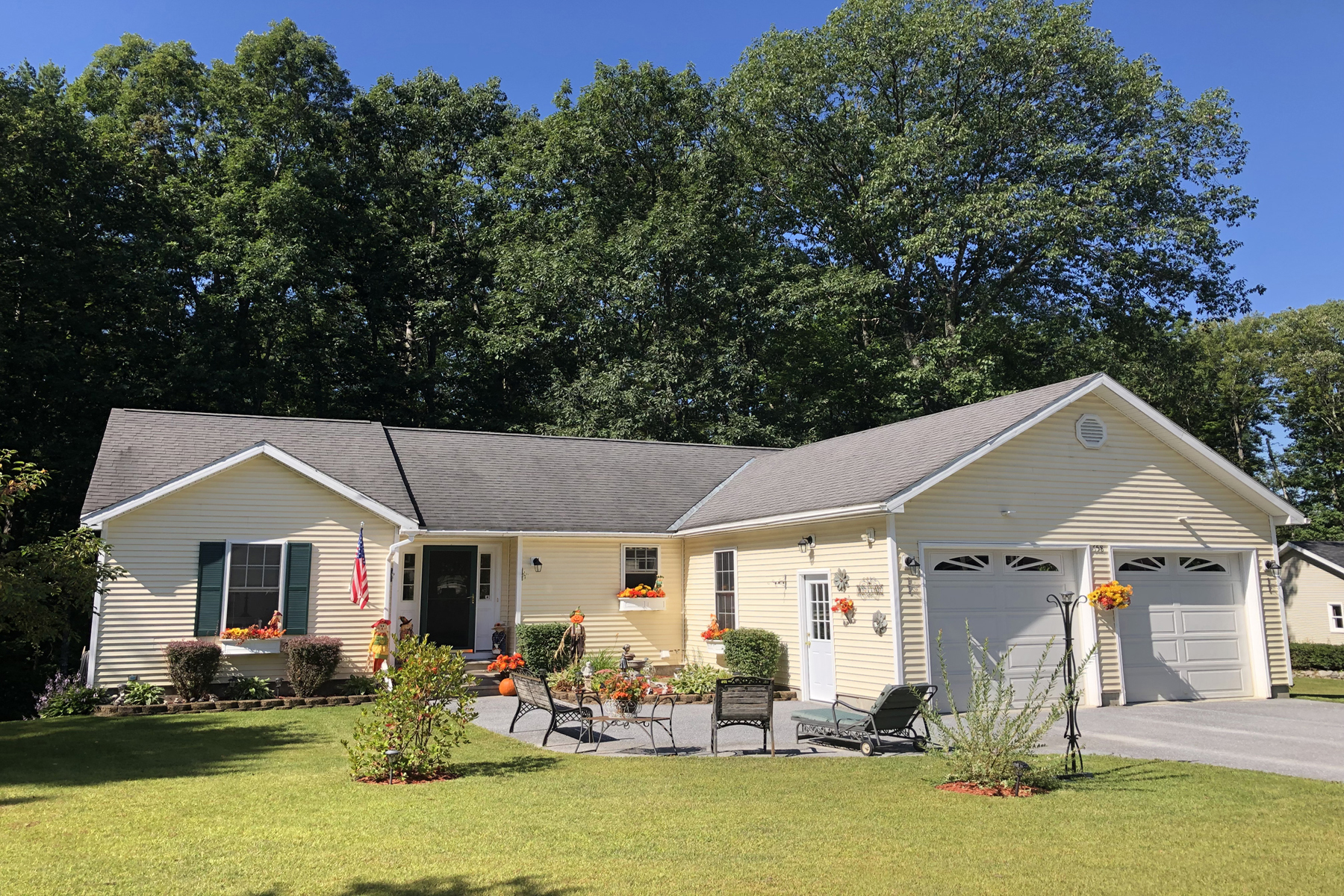 Single Family Homes for Sale at REAP THE REWARDS 658 Deer Run Rd Brandon, Vermont 05733 United States