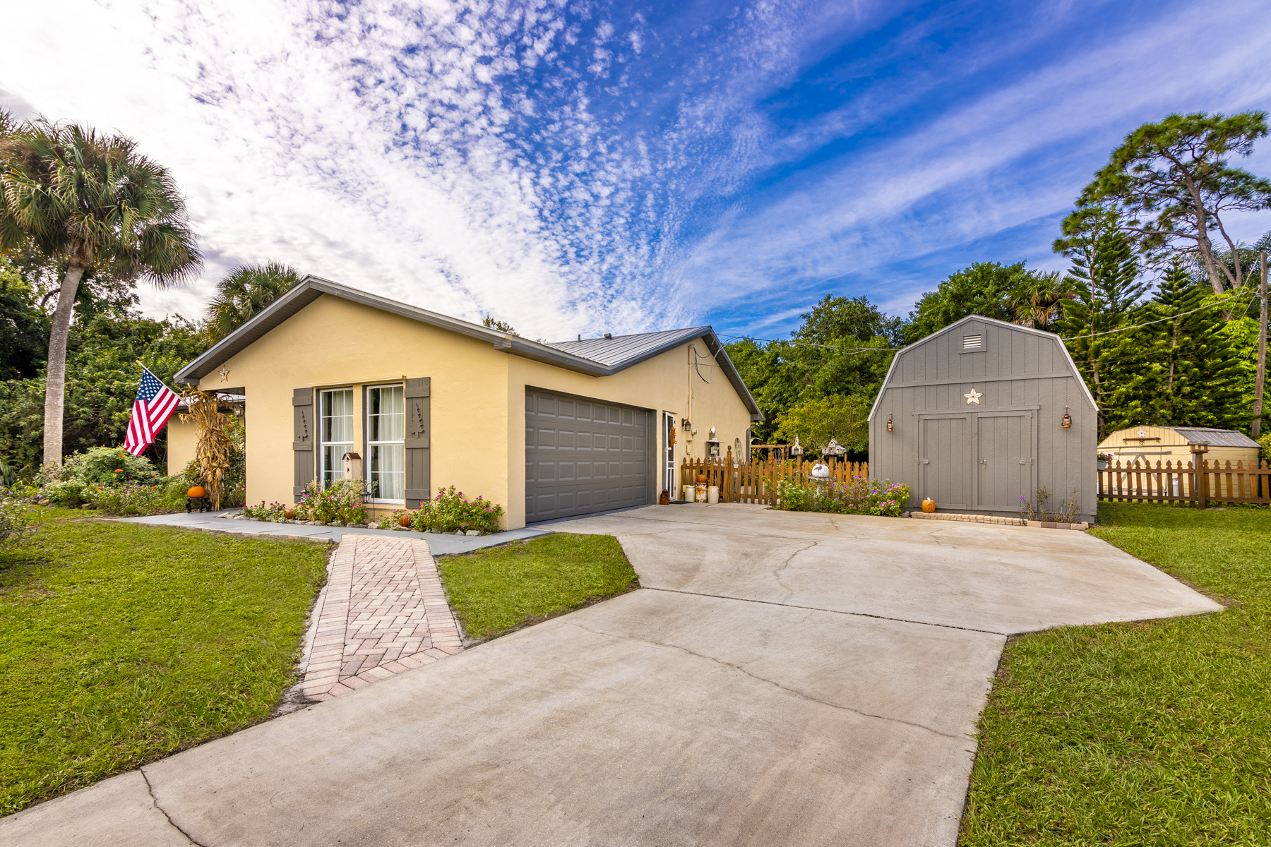 Single Family Homes for Sale at Rustic Cabin-Style Retreat 101 11th Court Vero Beach, Florida 32962 United States