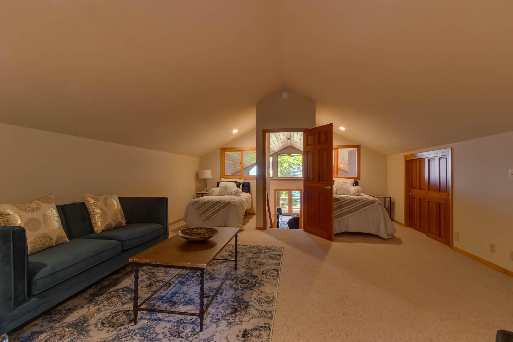 Additional photo for property listing at 4520 Ridgewood Drive, Carnelian Bay, CA 96140 4520 Ridgewood Drive Carnelian Bay, California 96140 United States