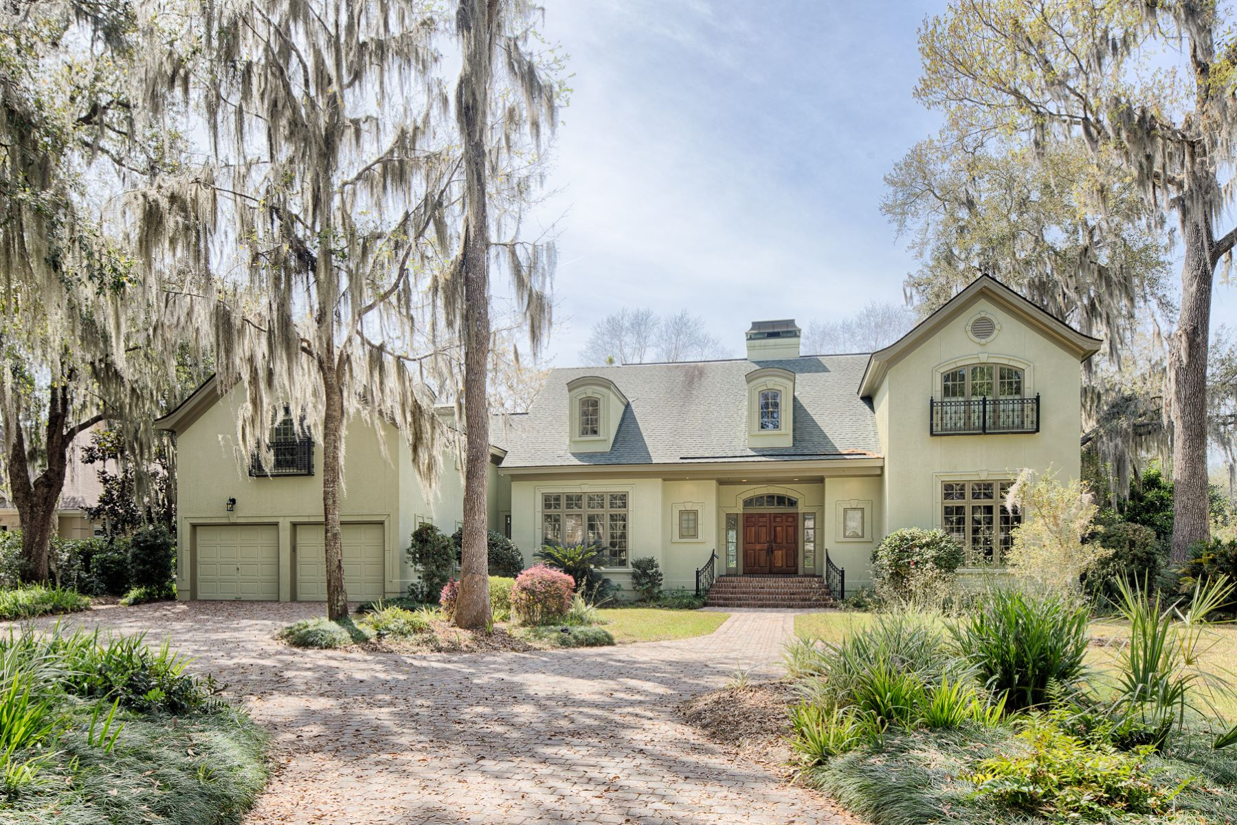 Single Family Homes for Active at 17 Sundew Road Skidaway Island, Georgia 31411 United States