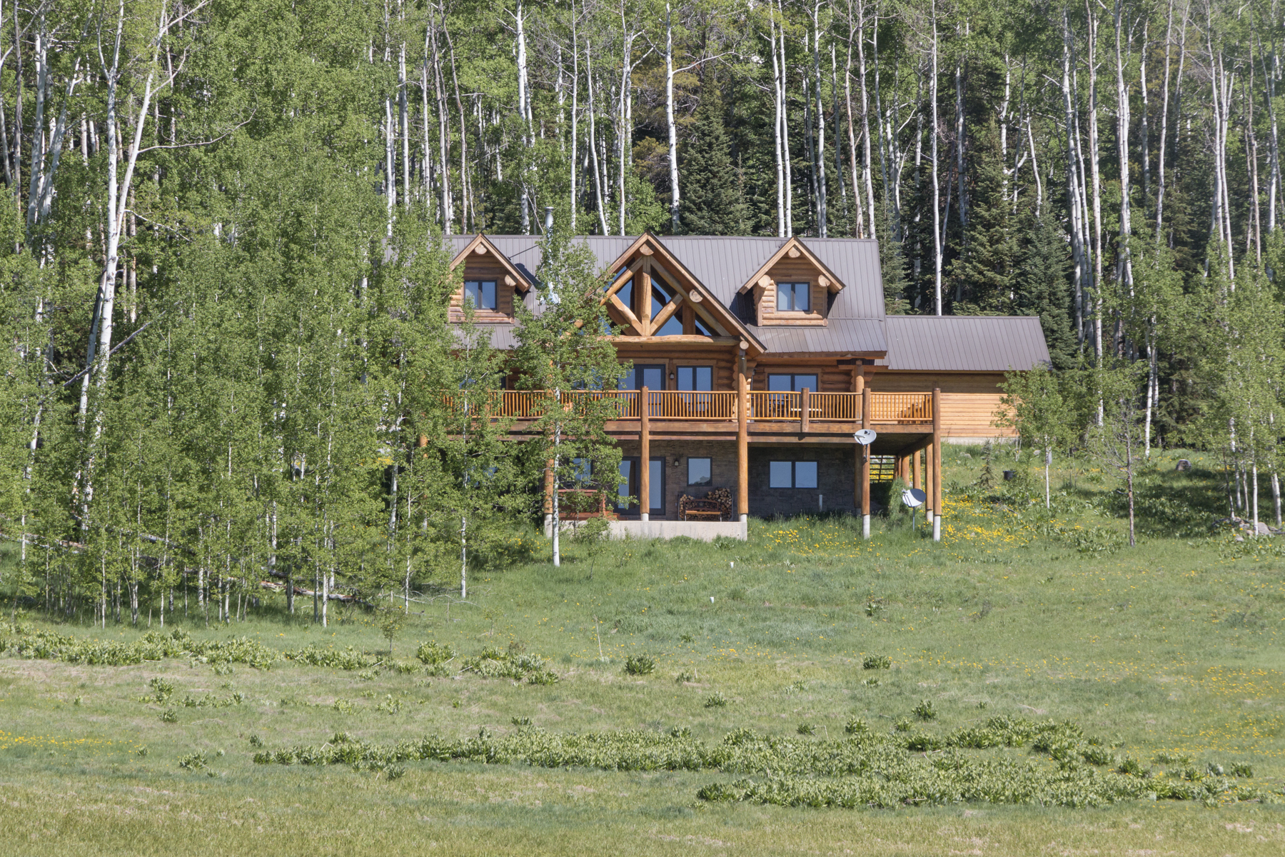 Single Family Home for Active at Wilderness Streams Dream 1815 Sioux Road Gunnison, Colorado 81230 United States
