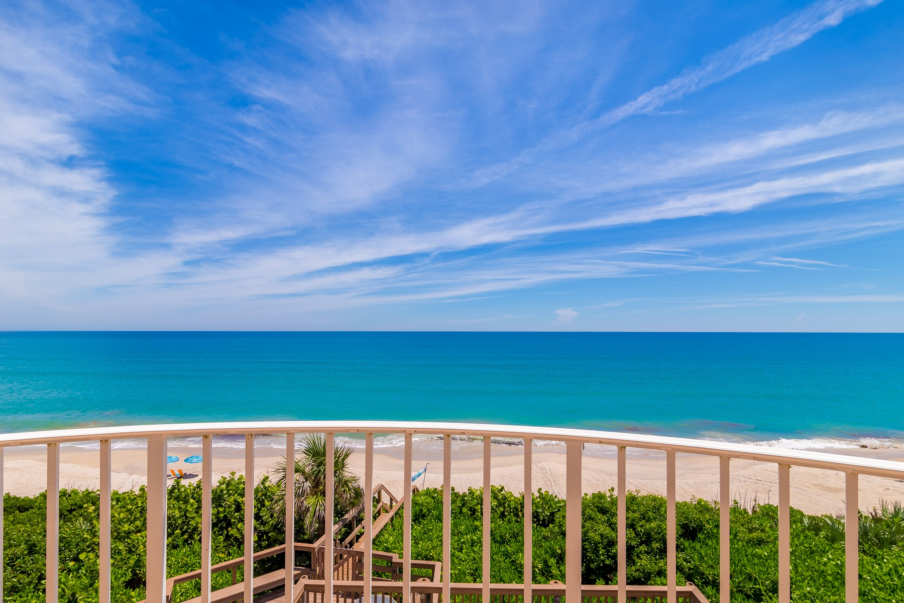 Additional photo for property listing at Oceanfront Castle! 7525 Highway A1A Melbourne Beach, 플로리다 32951 미국