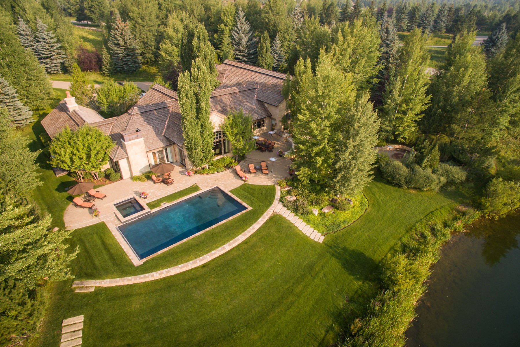 Single Family Home for Active at Exquisite Golden Eagle Lakefront Home 150 Eagle Lake Dr Hailey, Idaho 83333 United States