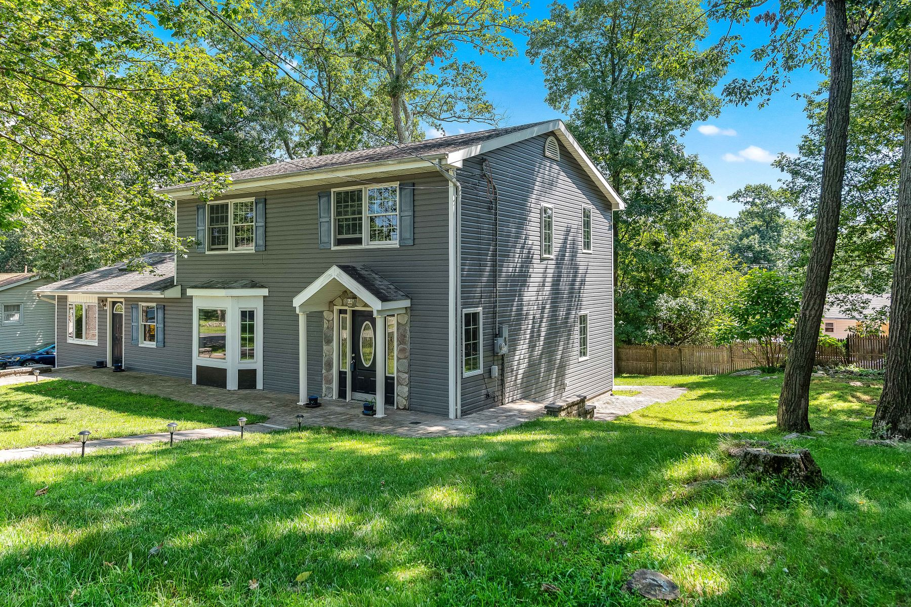 Single Family Homes for Active at Turnkey Colonial 153 Rollins Trail Hopatcong, New Jersey 07843 United States