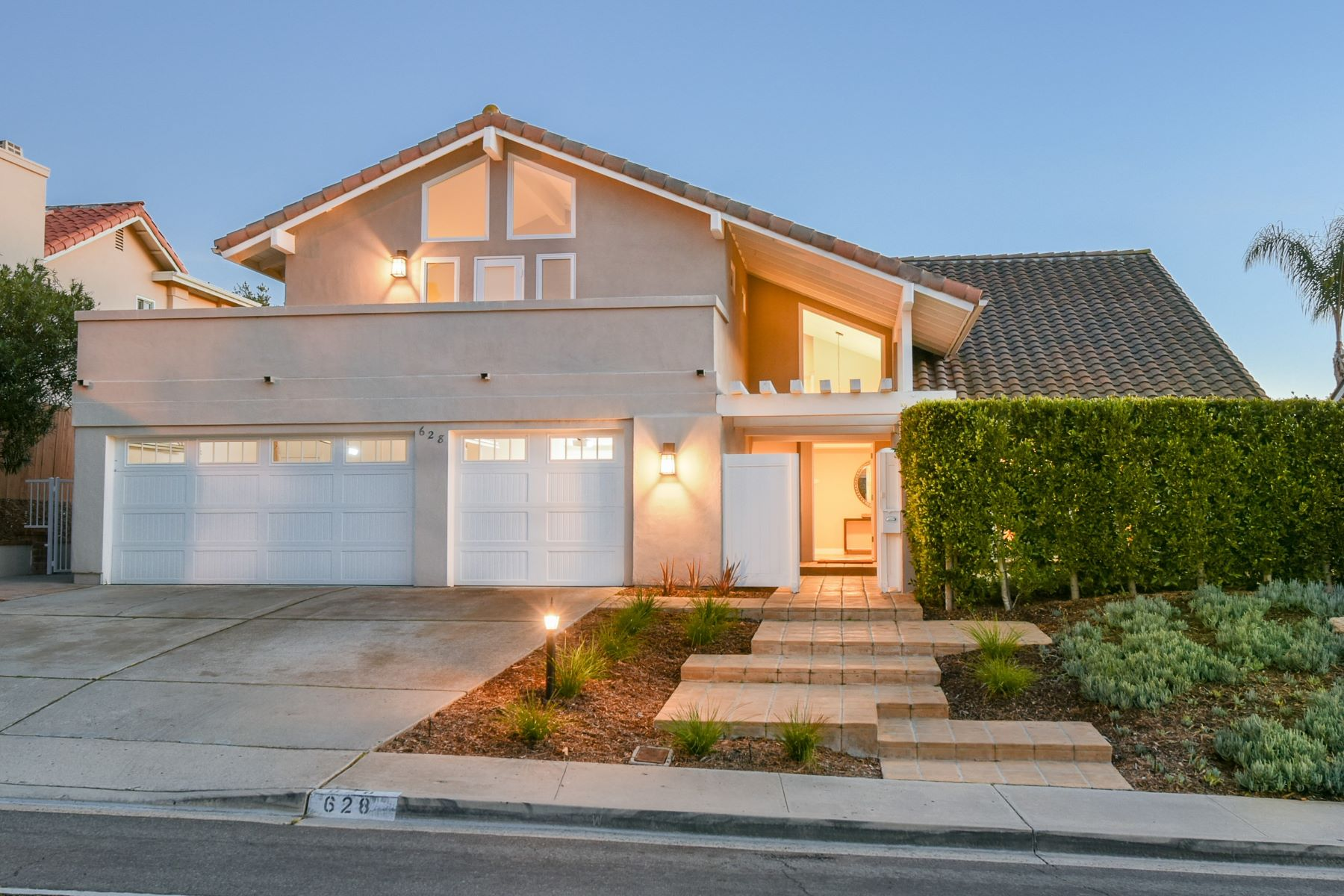 Single Family Homes for Active at 628 Santa Helena Solana Beach, California 92075 United States